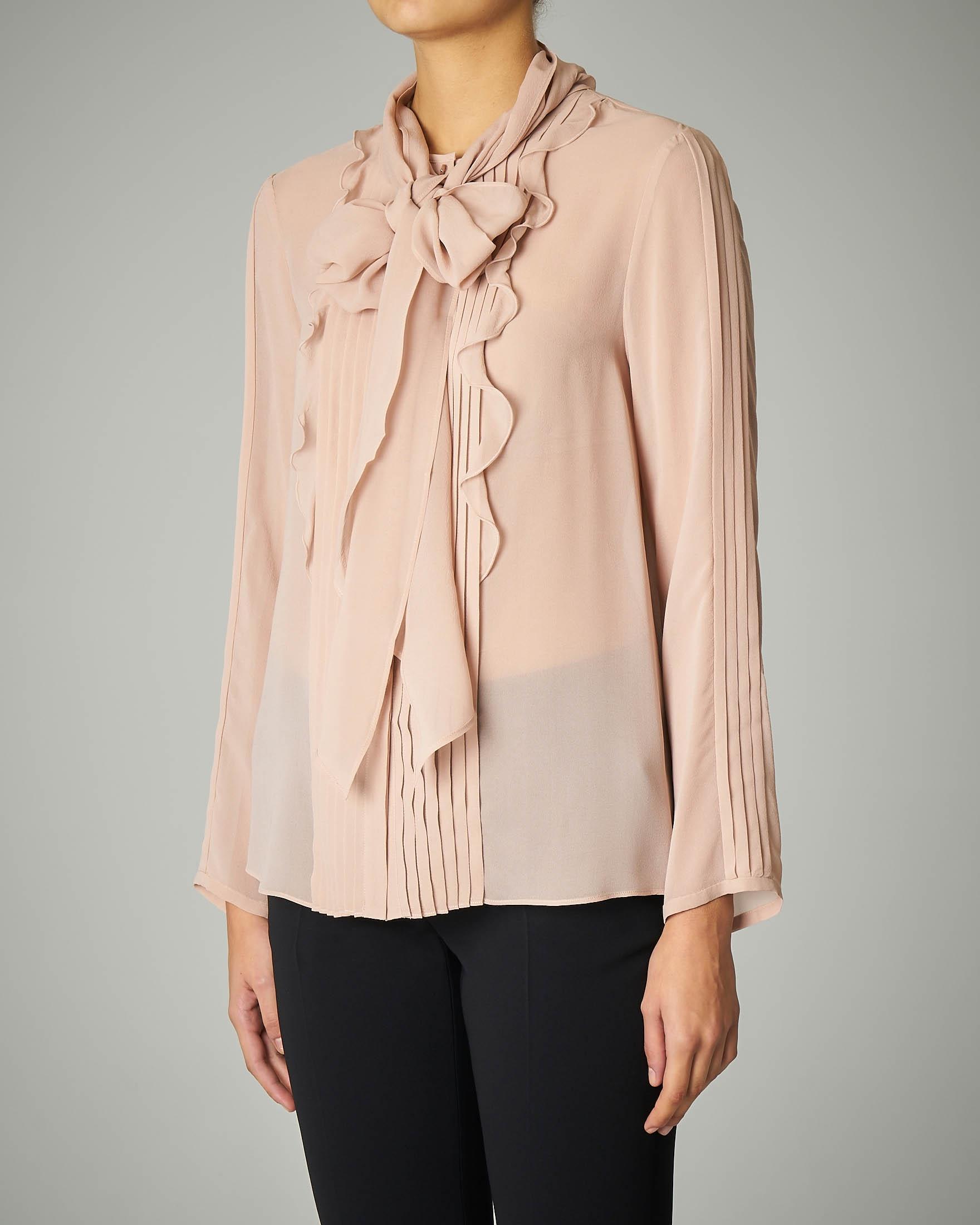 Camicia rosa in georgette di seta con rouche