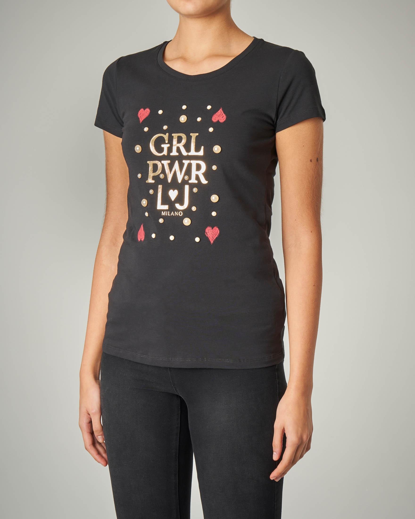 T-shirt nera manica corta con stampa e perle applicate