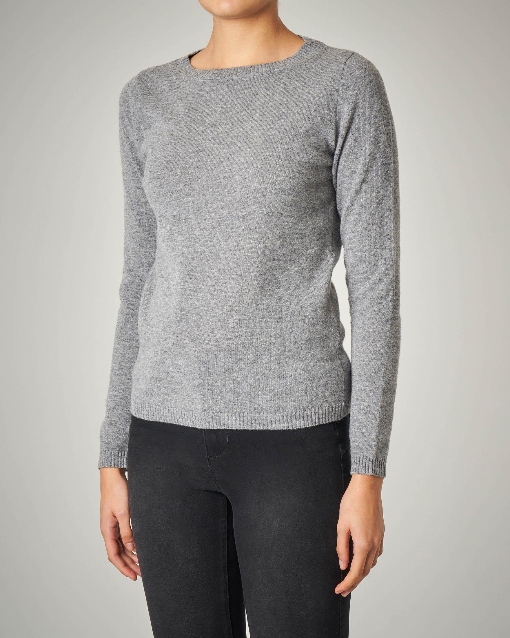 Maglia grigia girocollo in lana vergine