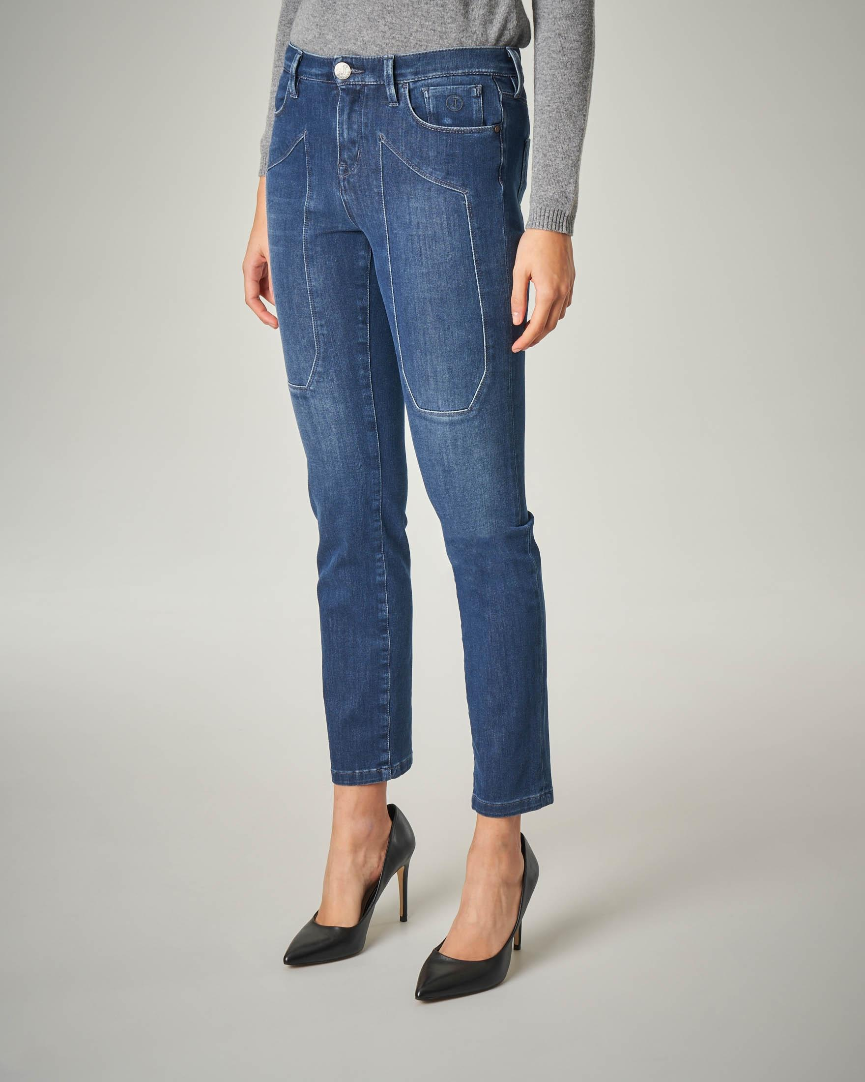 Jeans blu stone washed con toppa
