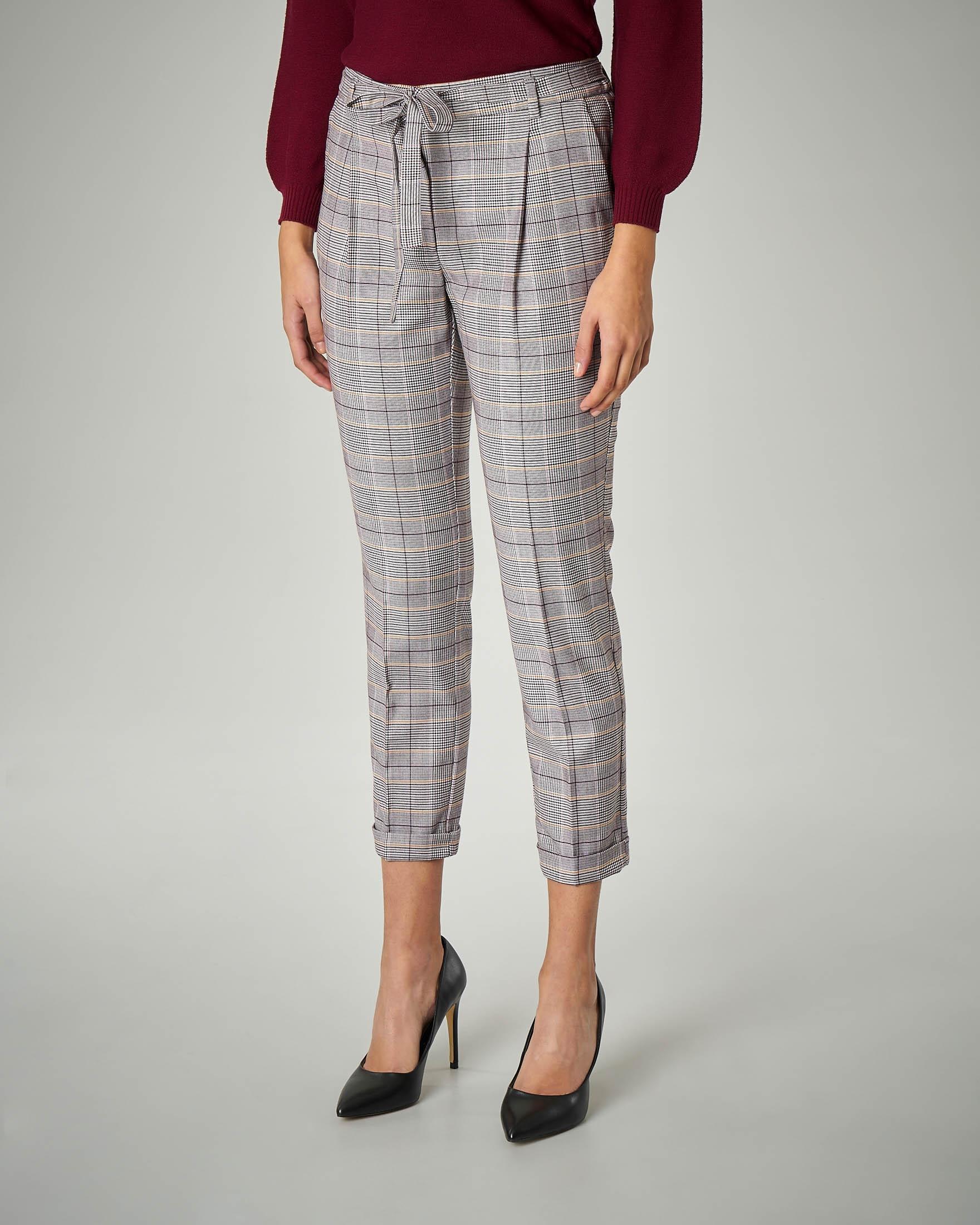 Pantalone con pince in Principe di Galles con inserti bordeaux