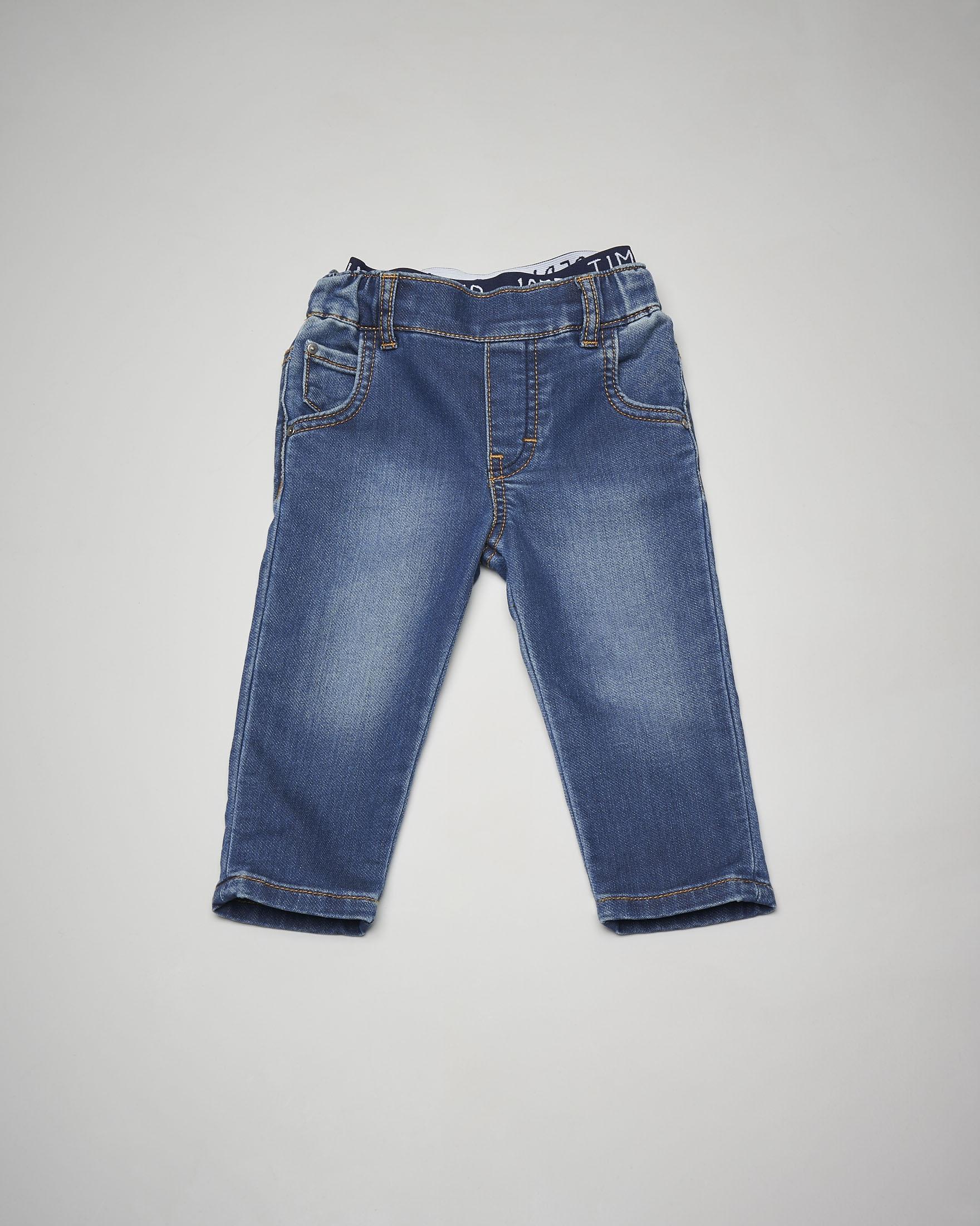 Jeans elasticizzato in vita ed elastico logato