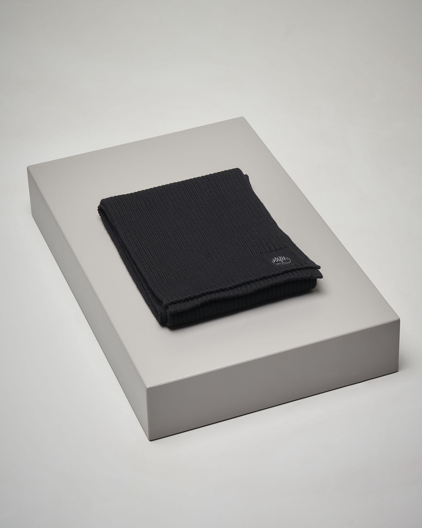 Sciarpa nera in cotone a costine
