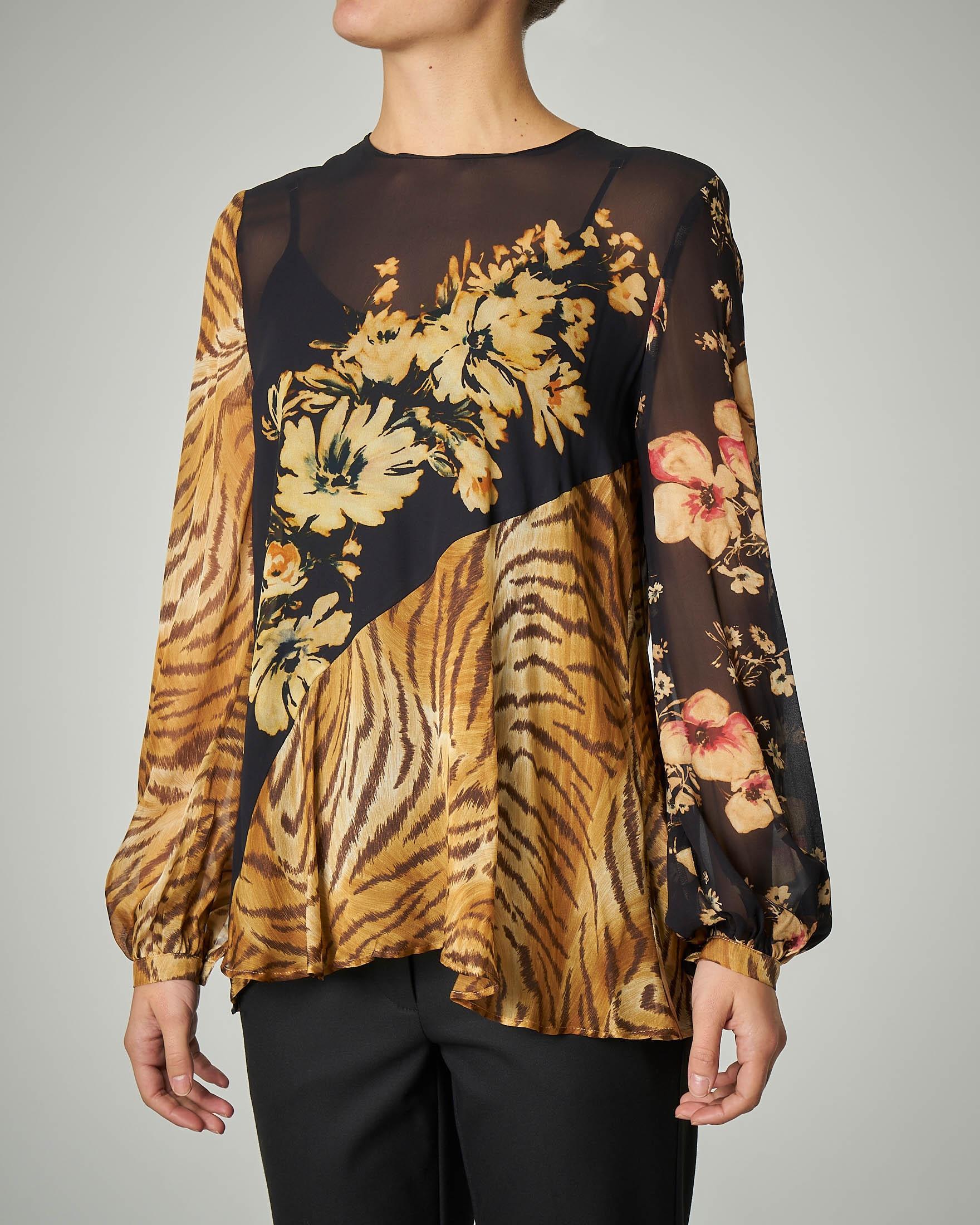 Blusa girocollo manica luga in seta a fantasia floreale con inserti animalier