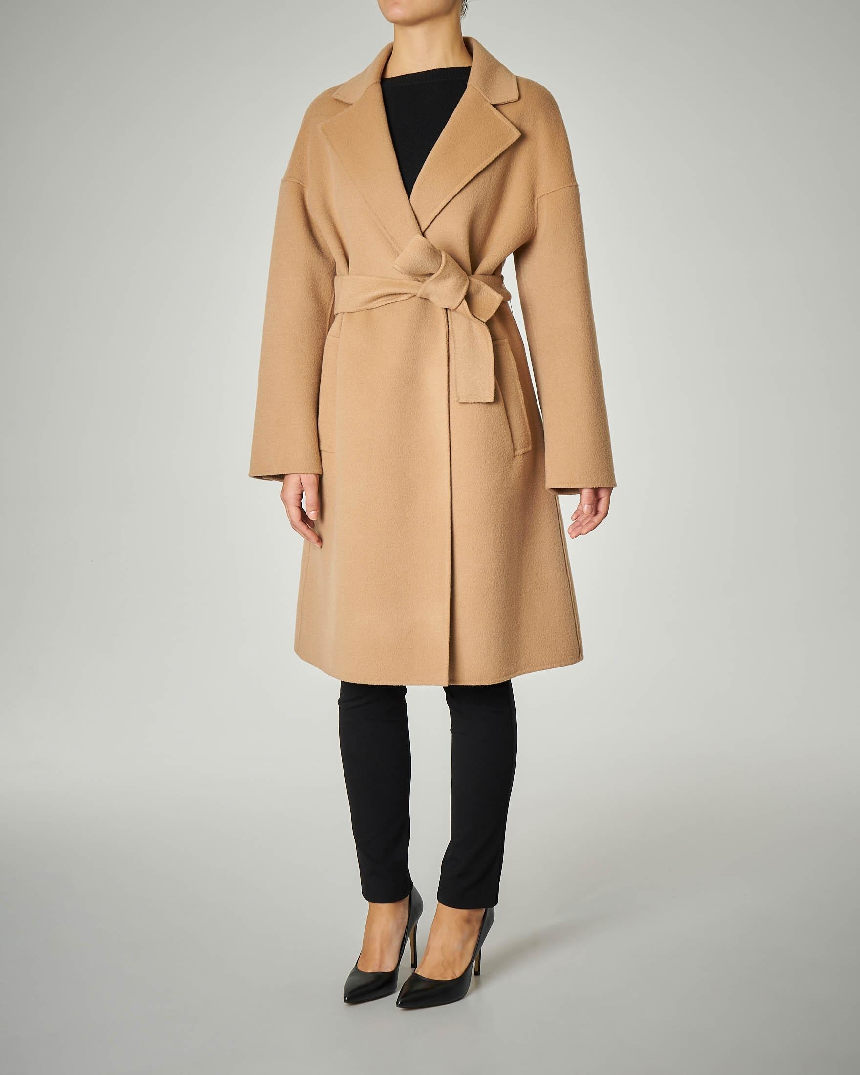 Cappotto in lana 7/8 a vestaglia color cammello