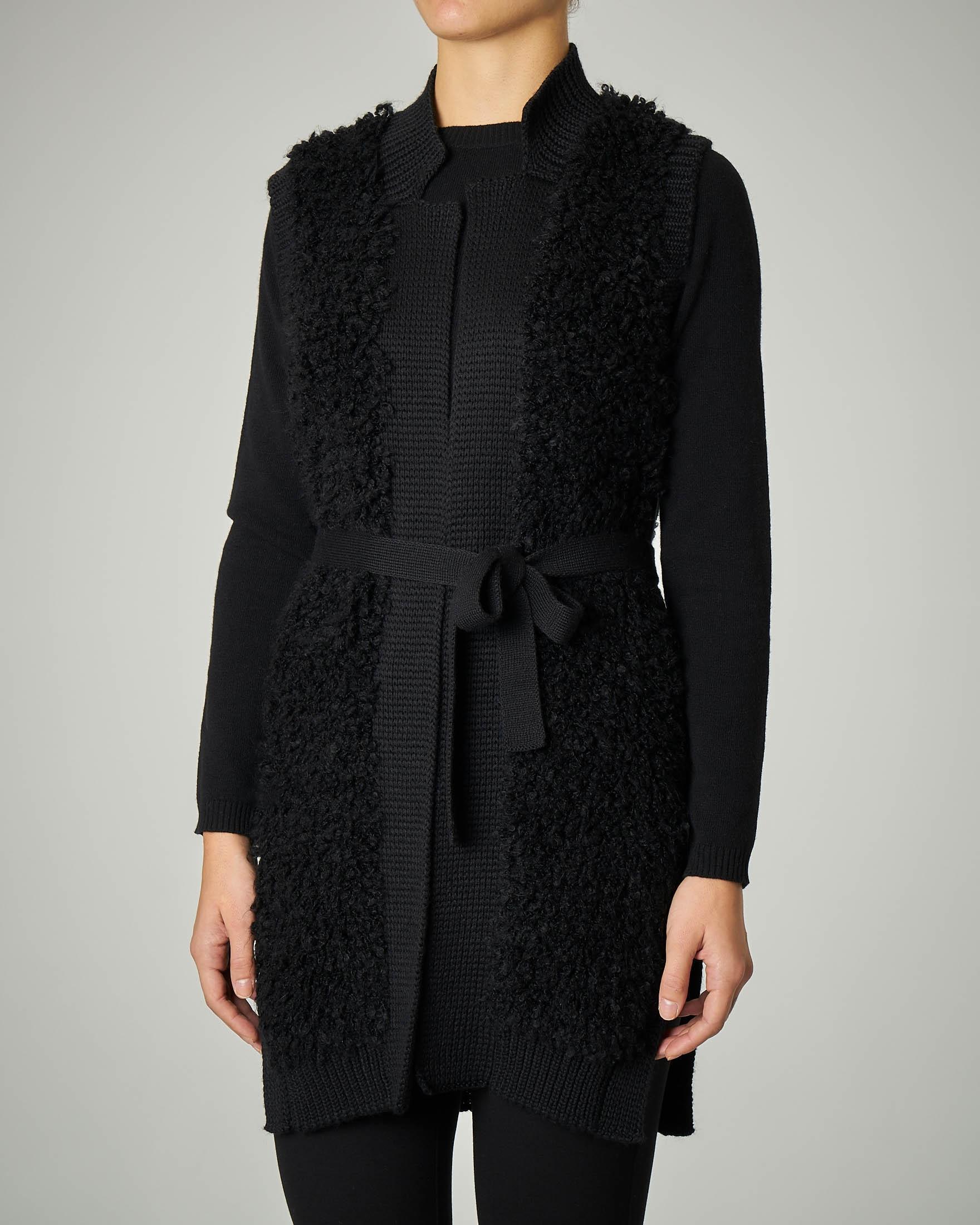 Gilet nero in lana bouclè