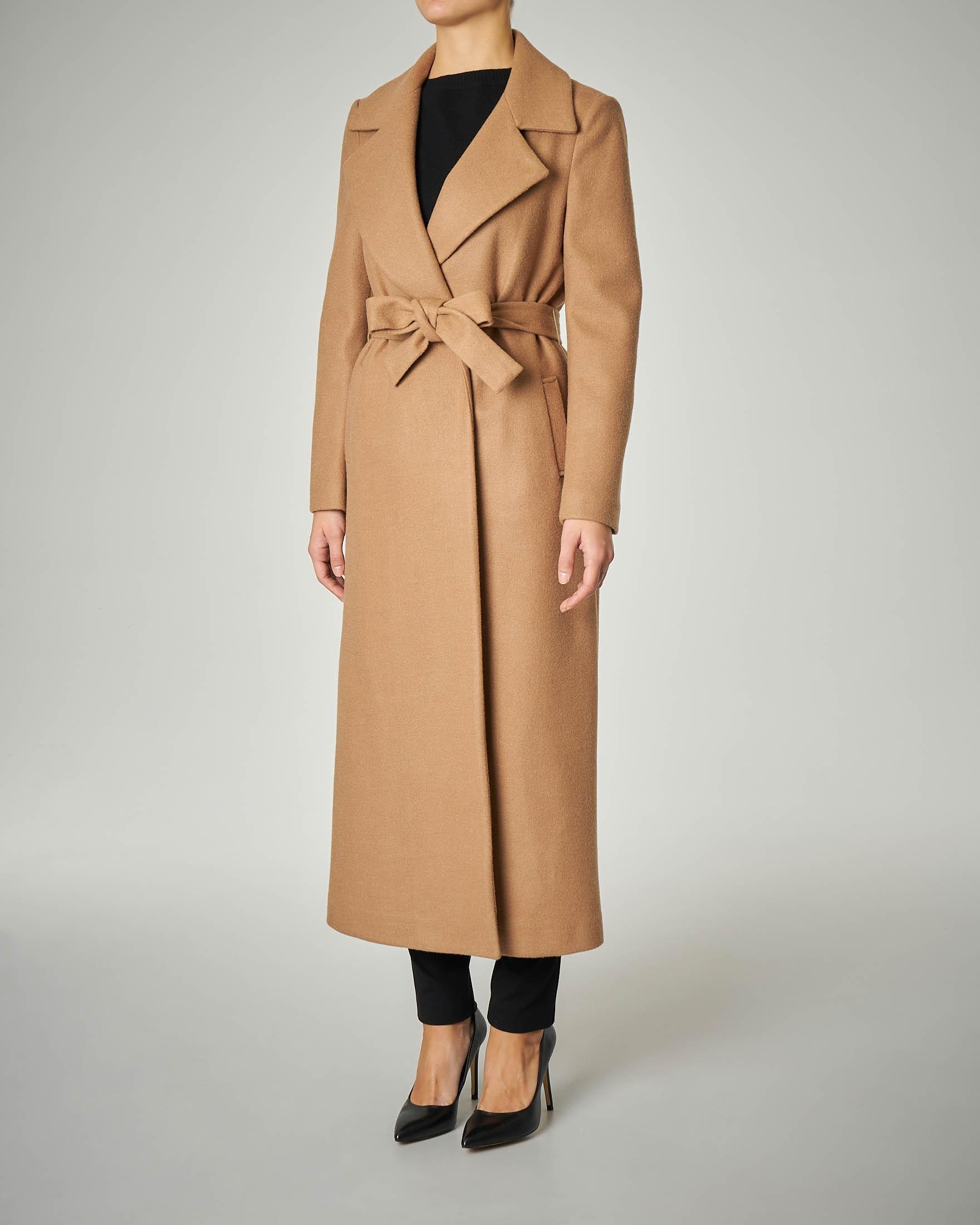 Cappotto lungo cammello modello a vestaglia