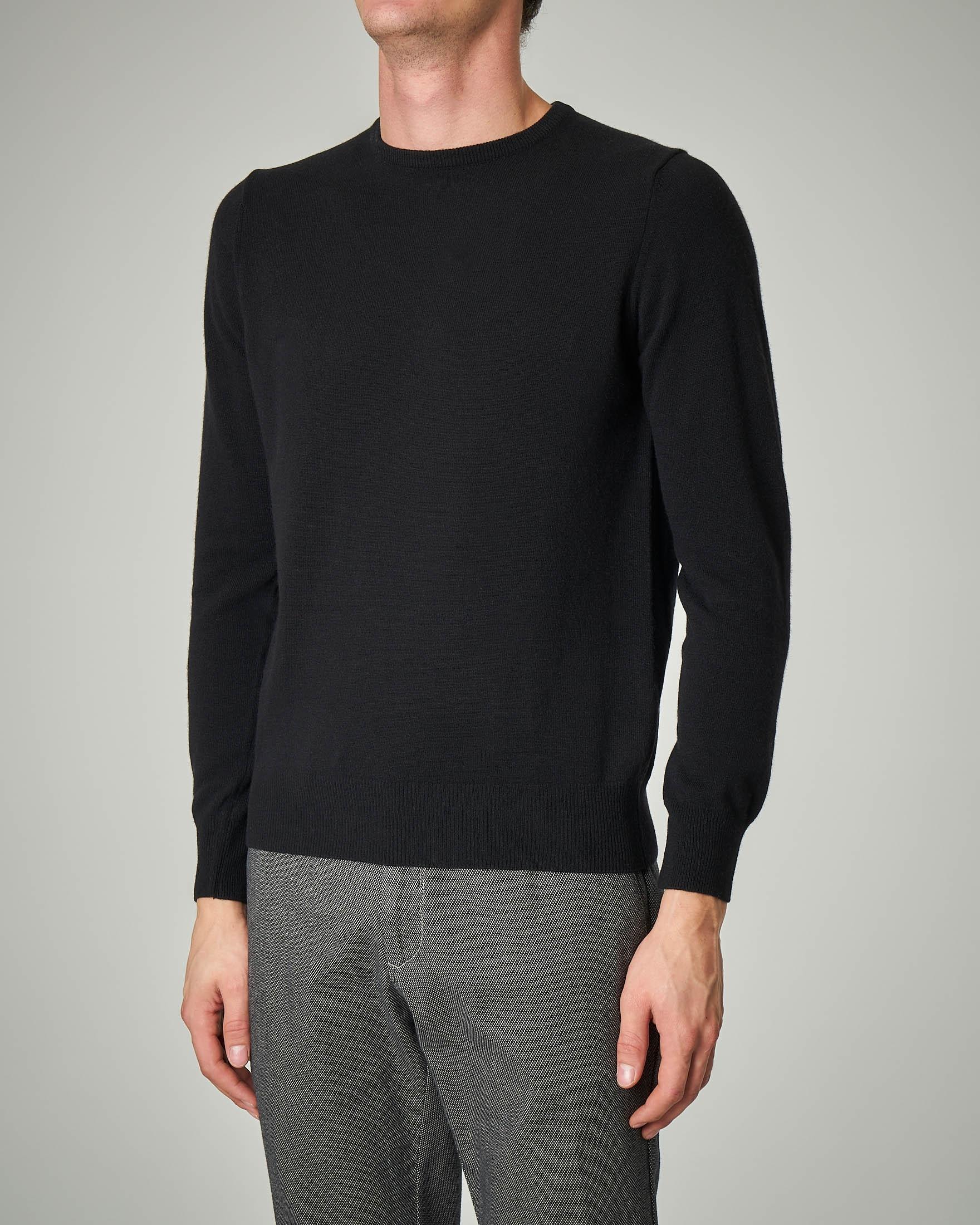 Maglia nera girocollo in lana e cachemire