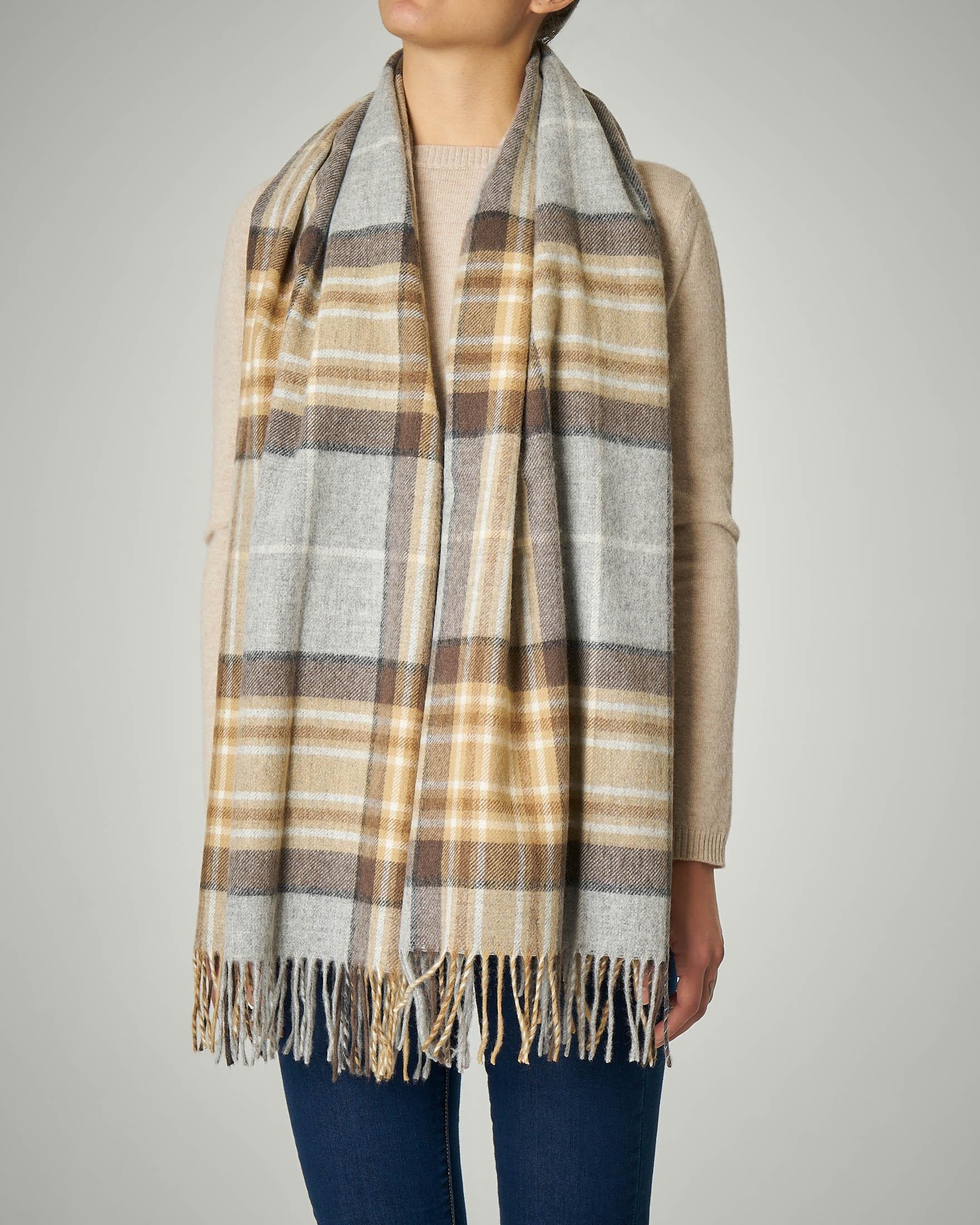 Sciarpa in lana merino a fantasia tartan beige con frange