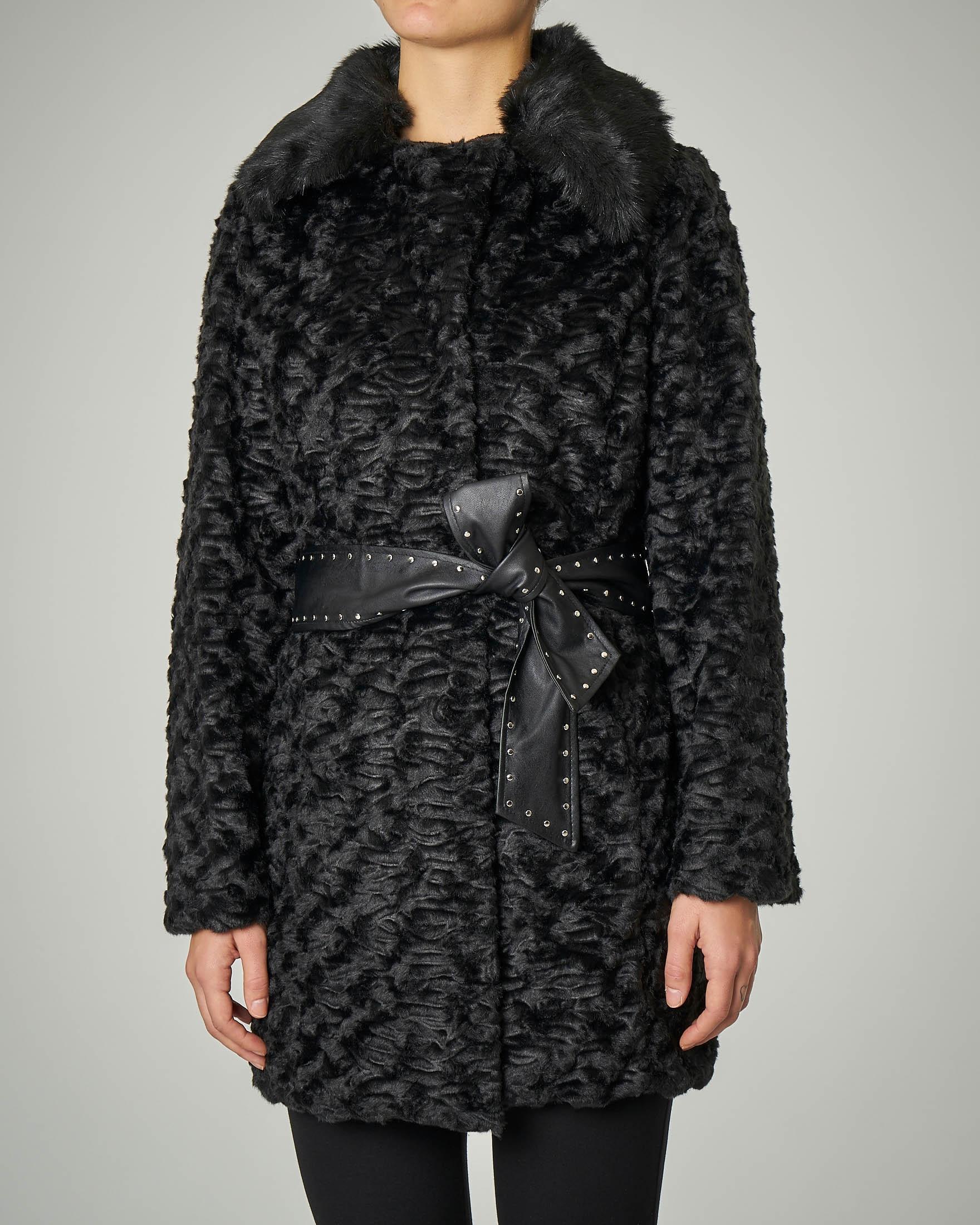 Eco pelliccia effetto astracan nera con collo effetto volpe
