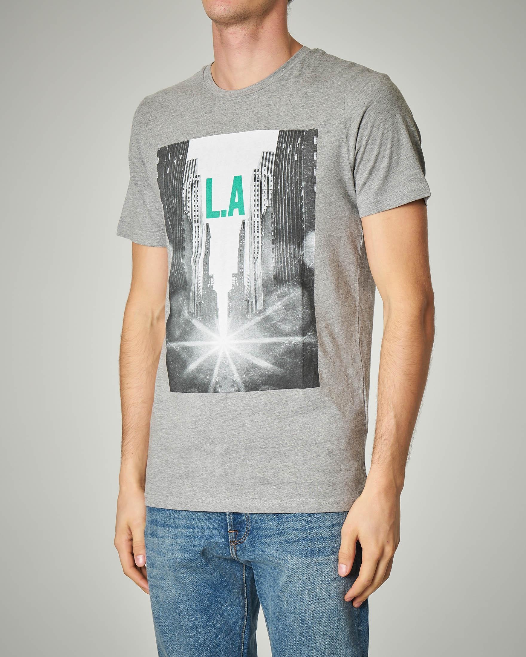 T-shirt grigia con stampa L.A. città
