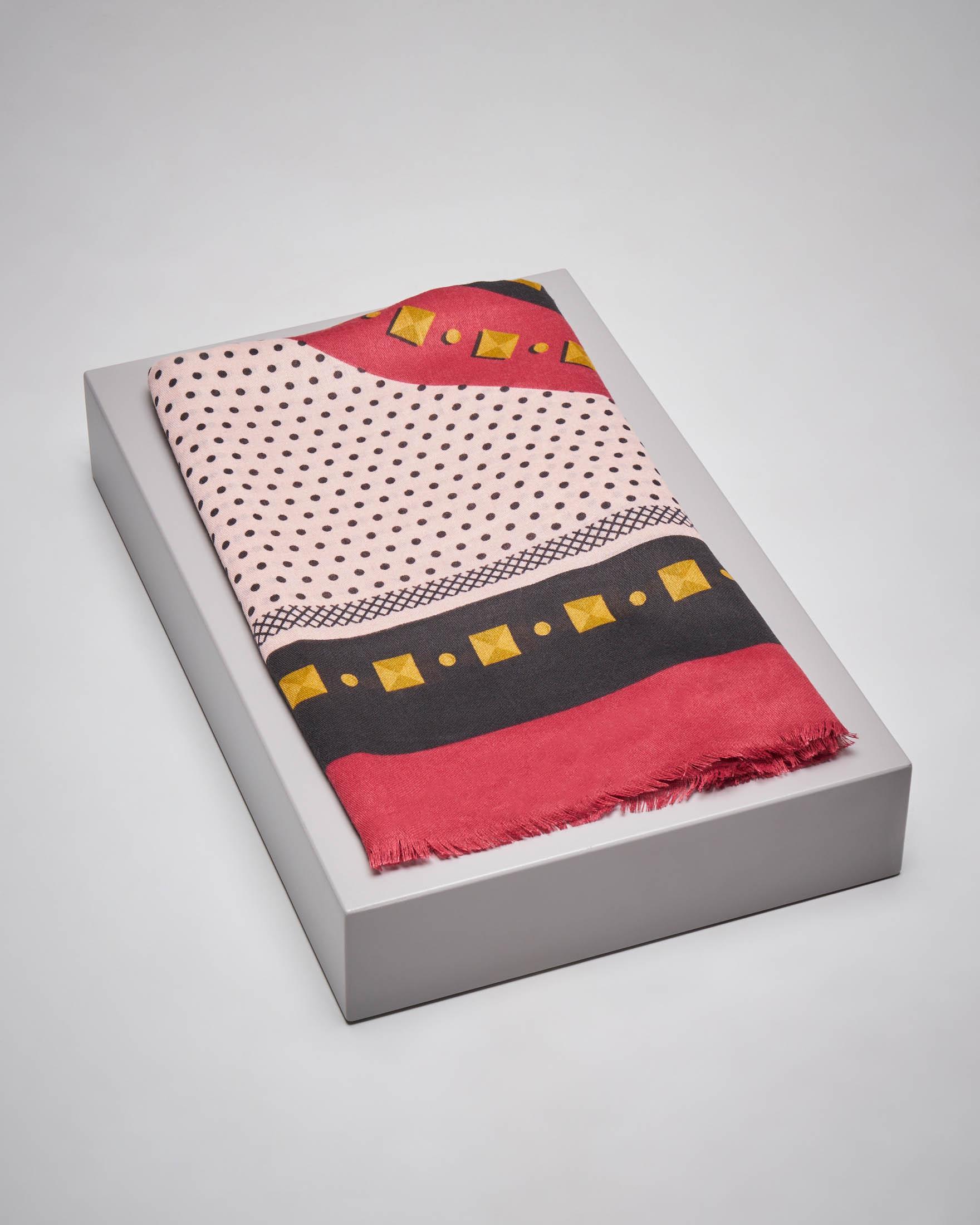 Maxi foulard rosso a fantasia a pois con logo