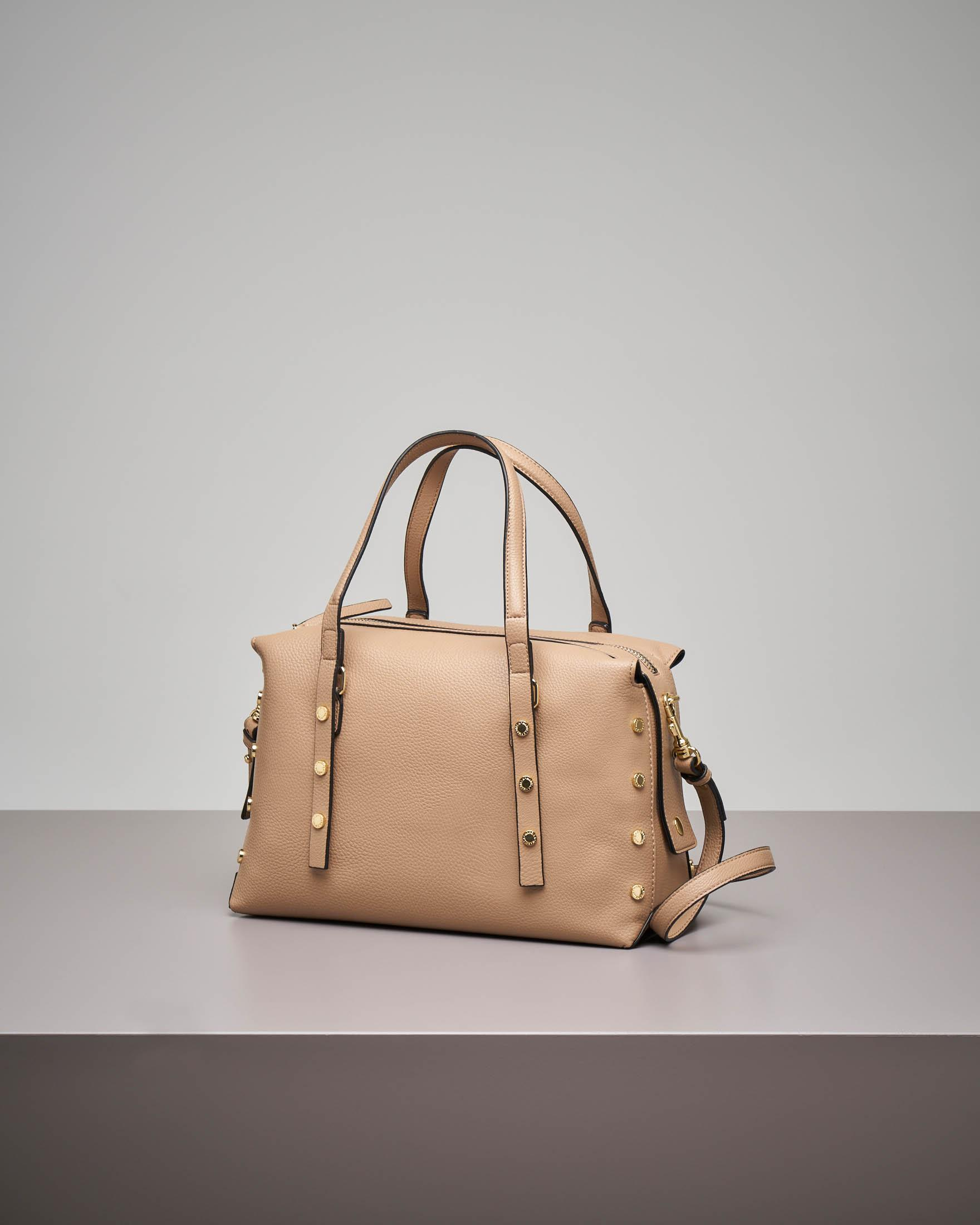 Bowling bag beige con borchie applicate