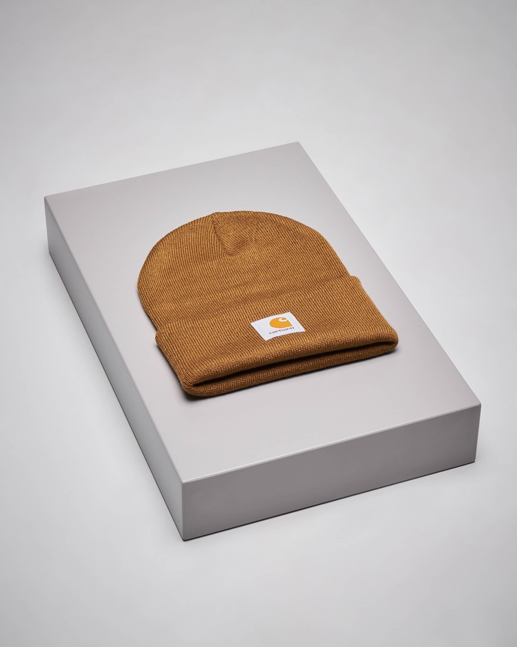Berretto color cuoio con logo