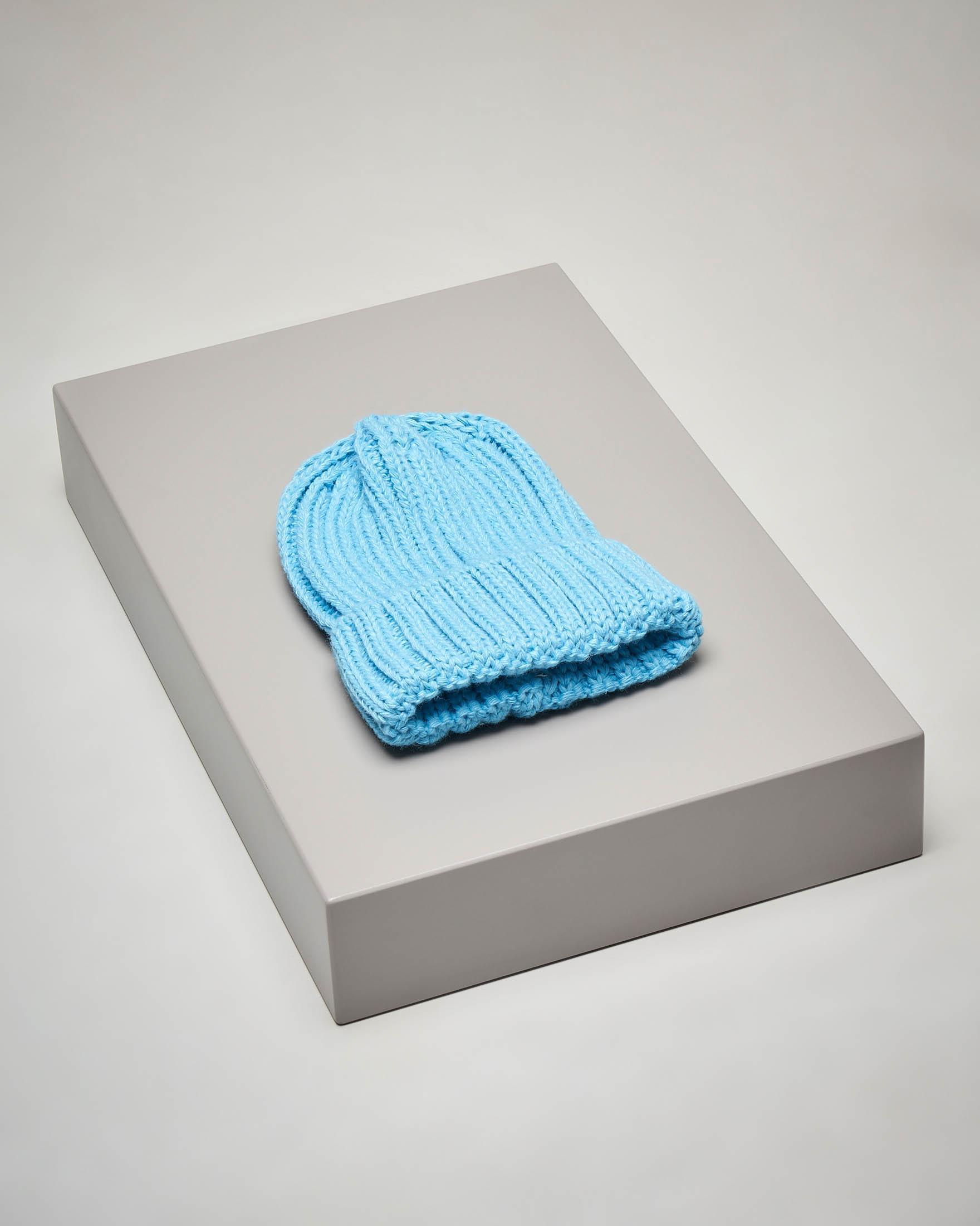 Berretto in maglia misto lana color avio con risvolto