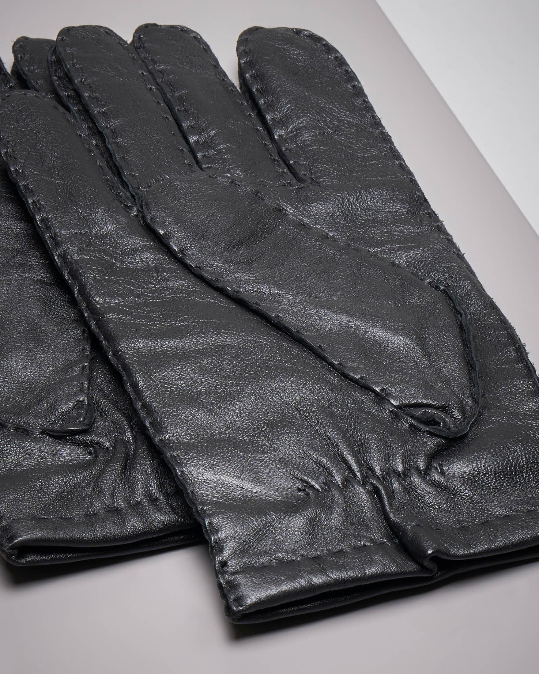 Guanti neri in pelle martellata con impunture