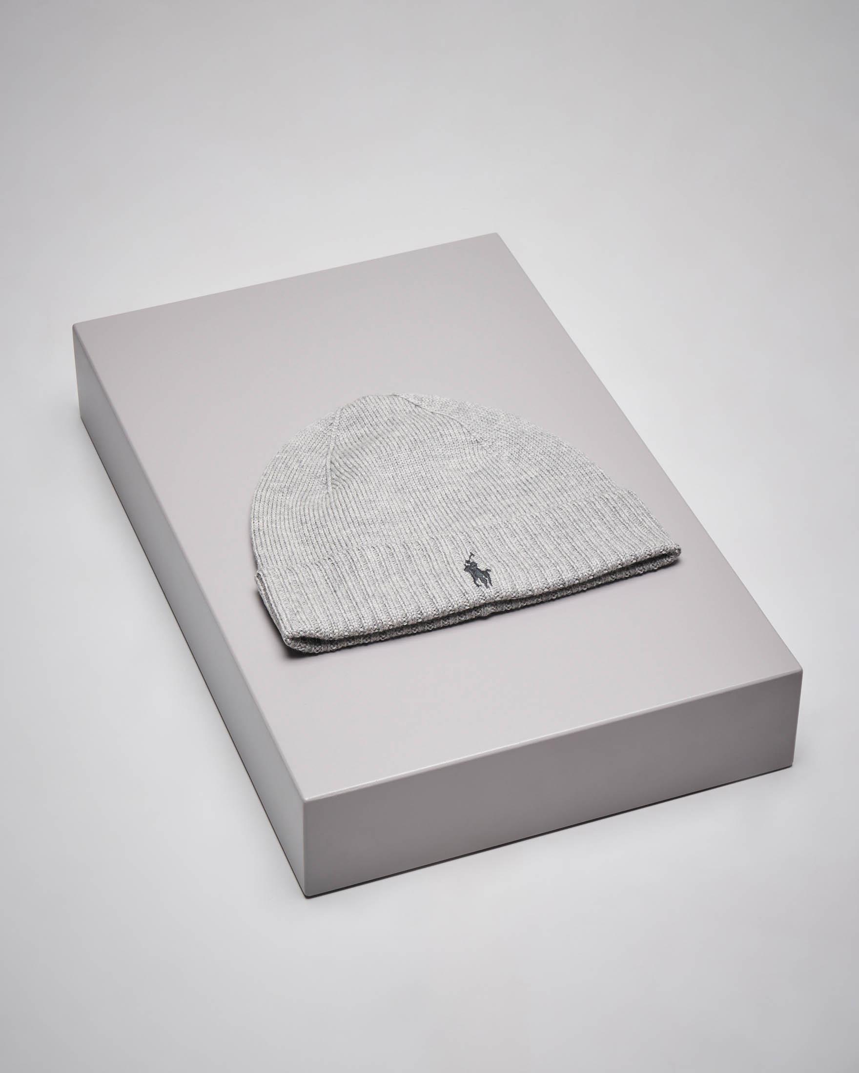 Berretto grigio in lana