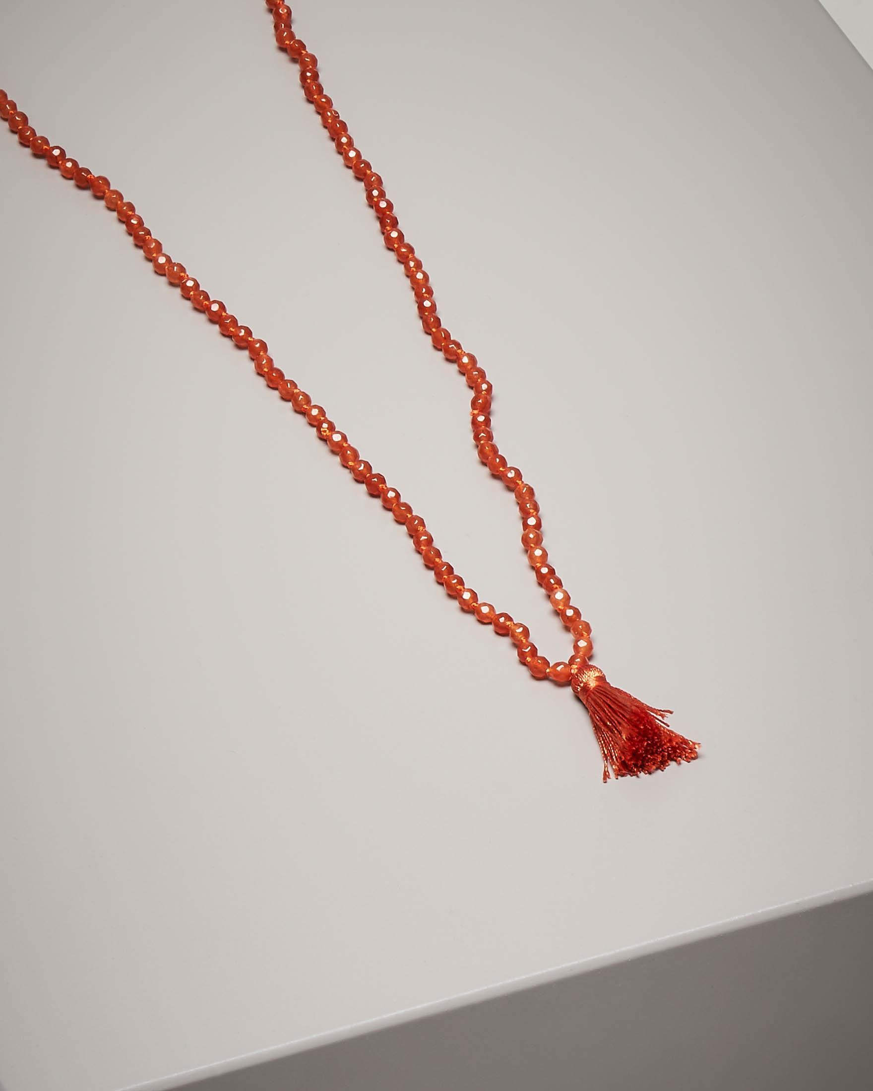 Collana di pietre dure con nappina colore arancione