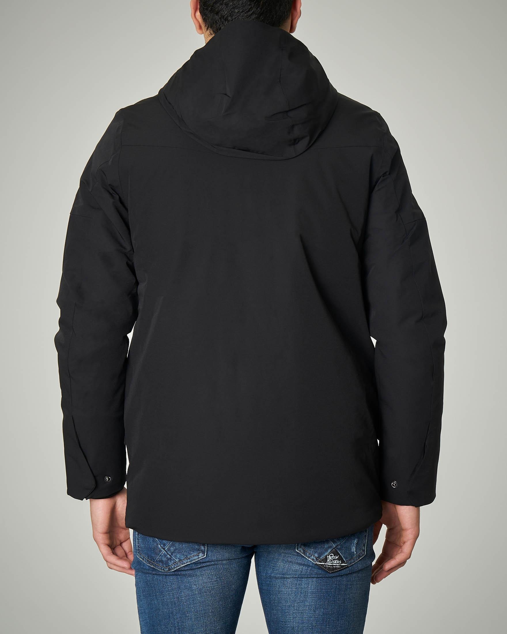 Giacca nero con cappuccio