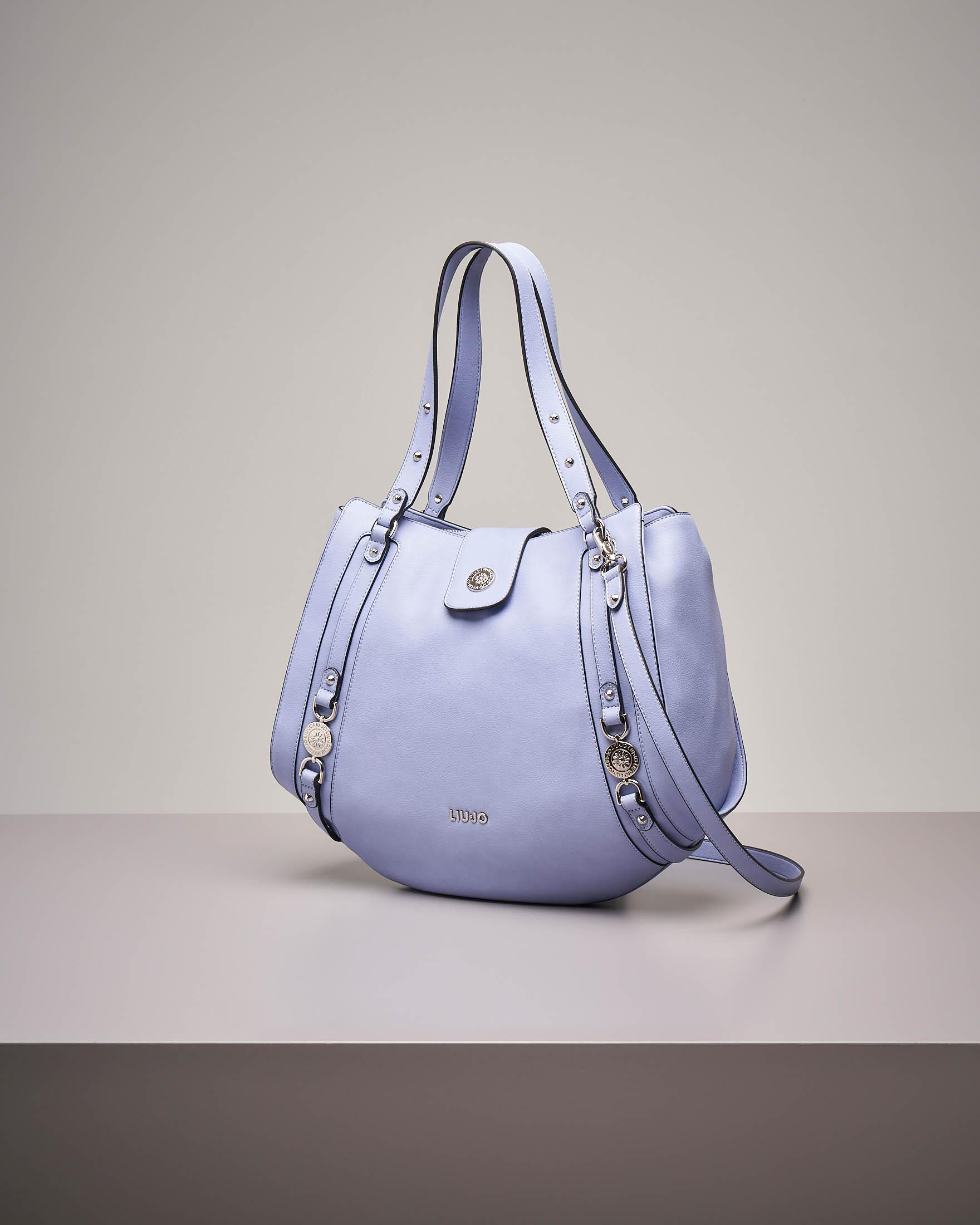 It bag color azzurro con decori gioiello