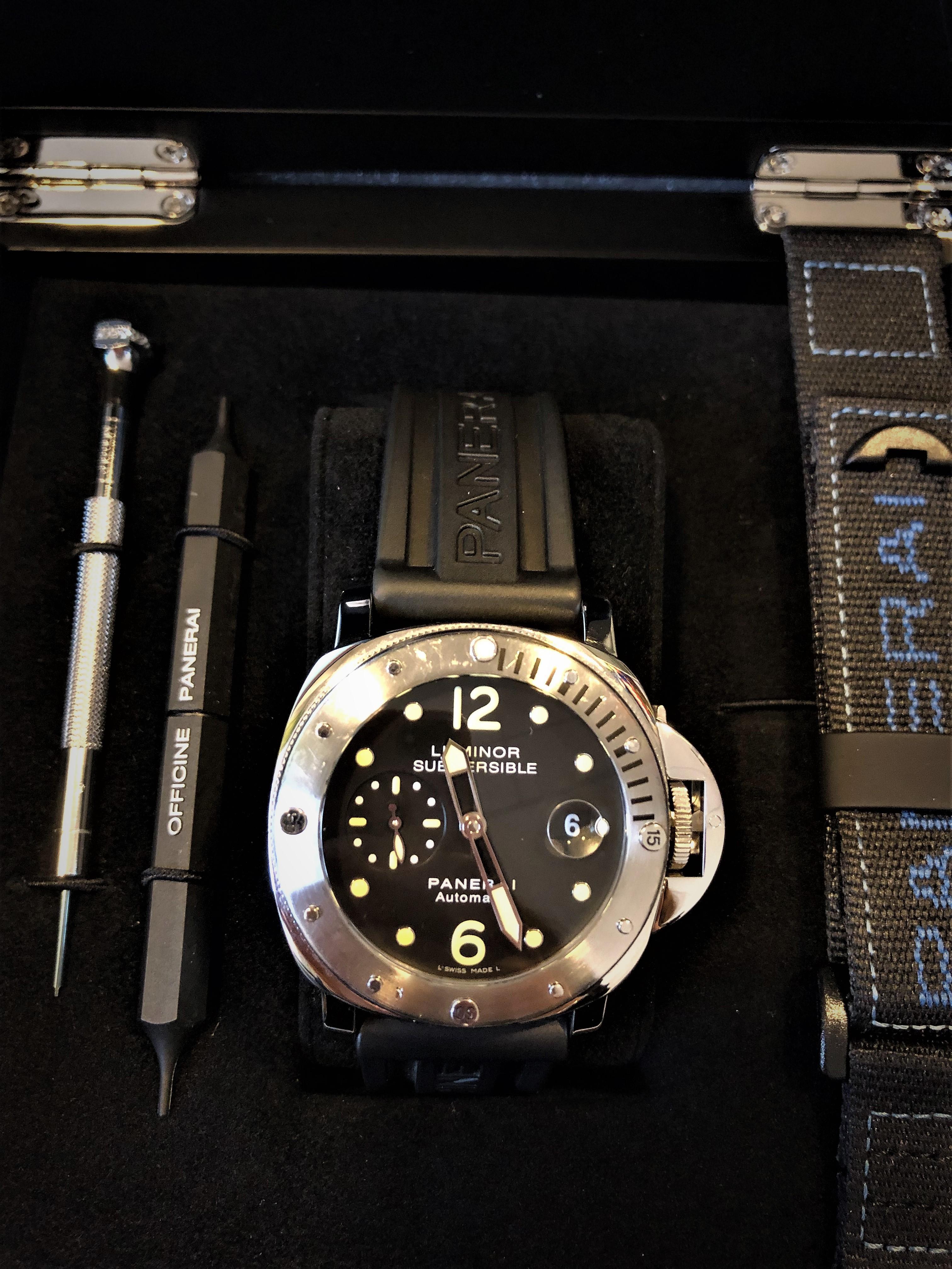 vendite calde 34697 822f3 Orologio secondo polso Officine Panerai Luminor Submersible