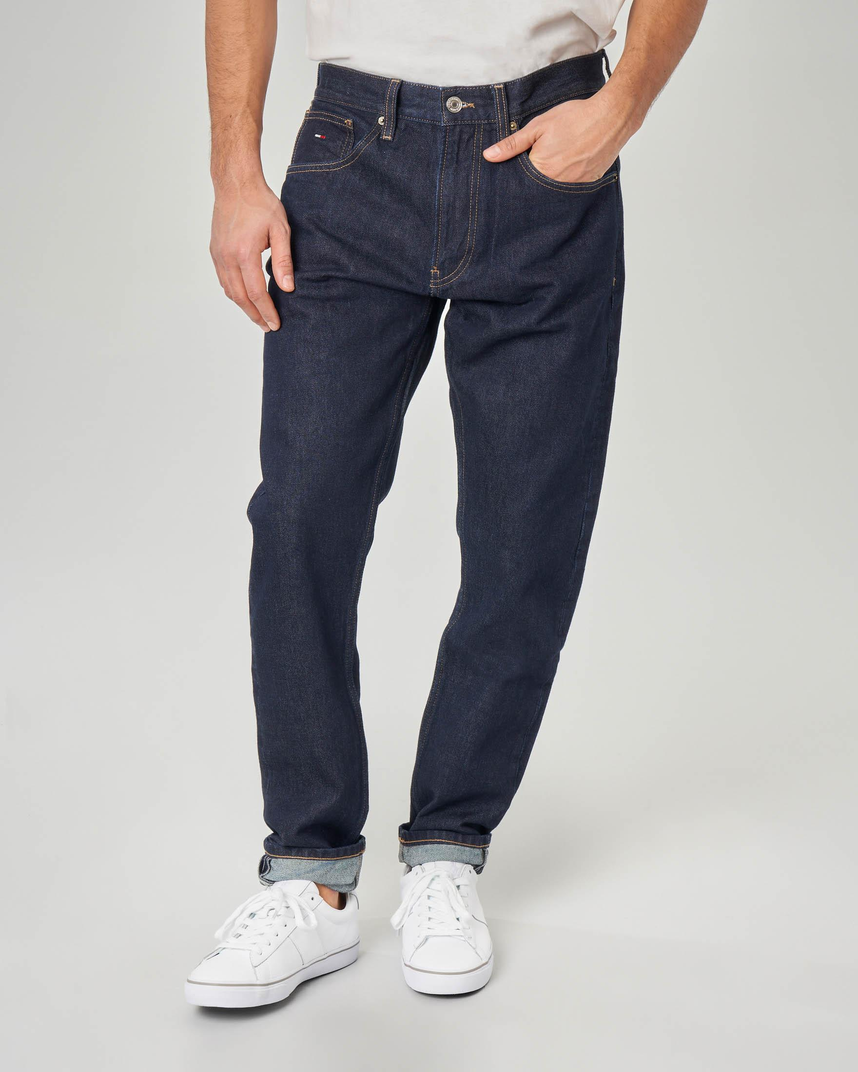 Jeans tapered lavaggio blu scuro