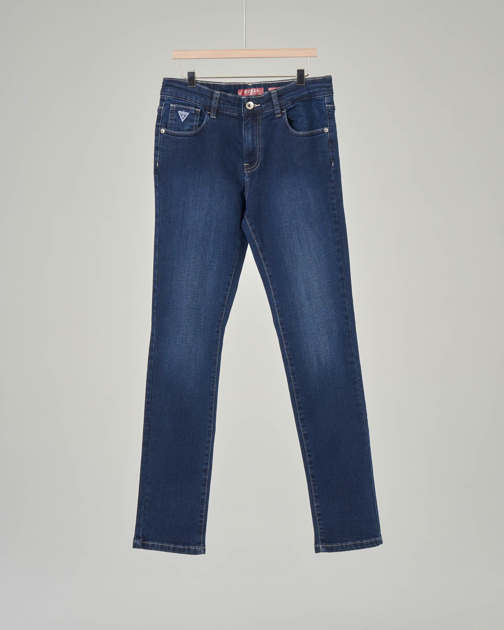 Jeans lavaggio scuro con sbiancature