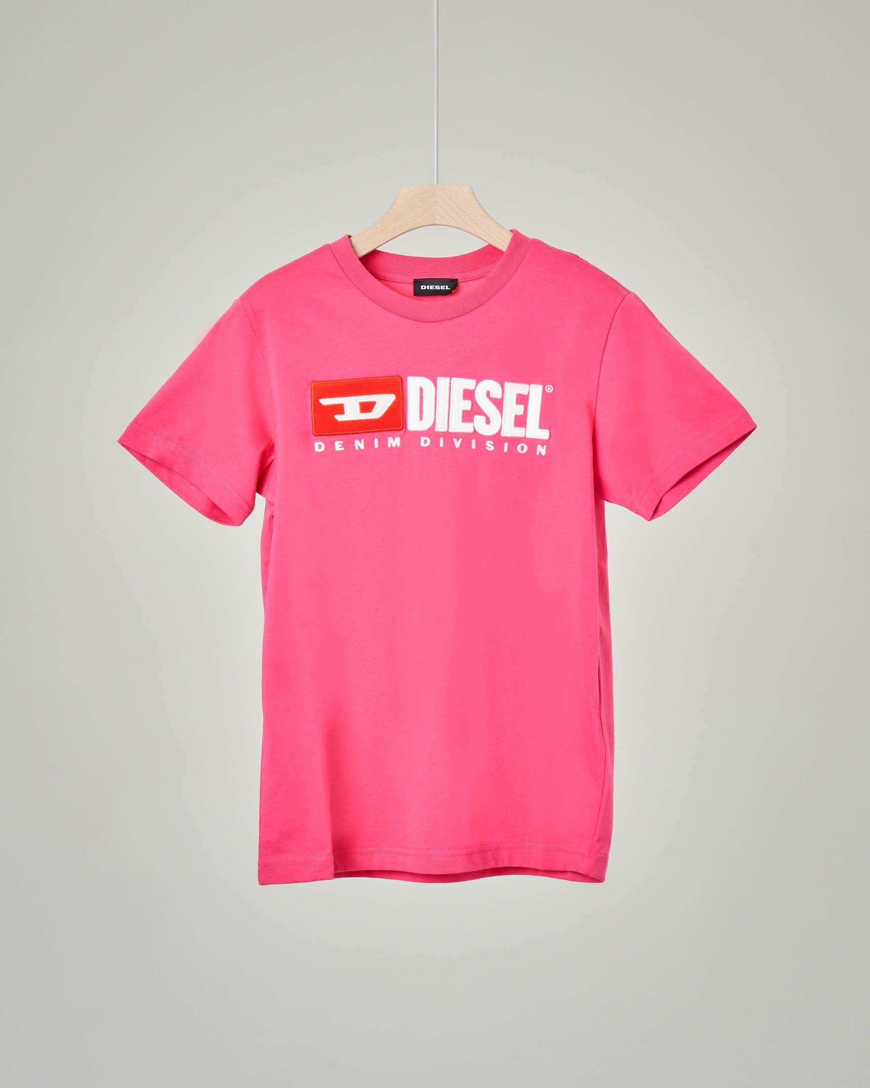 T-shirt rosa con logo vintage