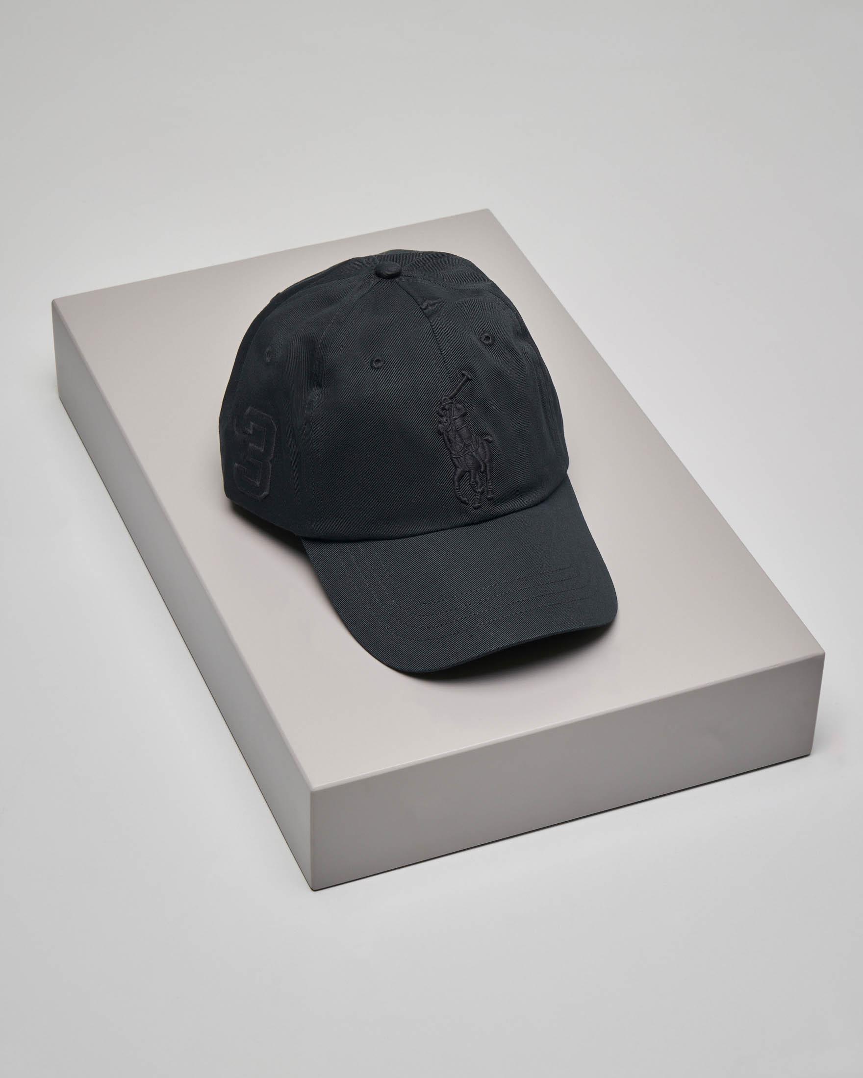 Berretto nero con frontino e big logo
