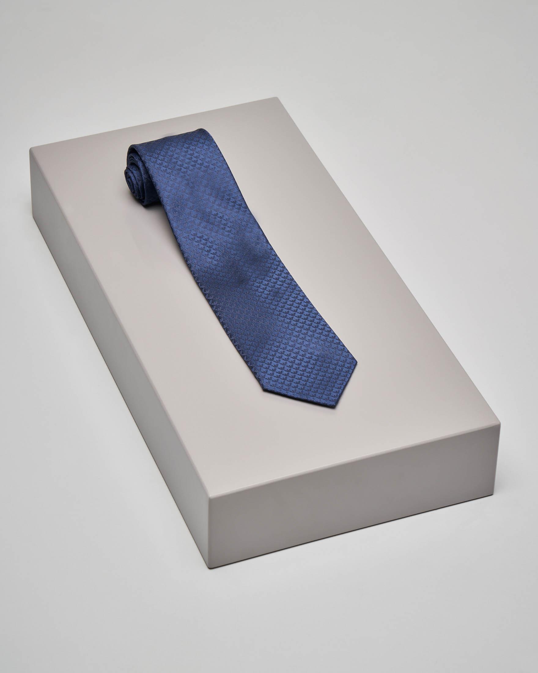 Cravatta blu fantasia micro-aquilette