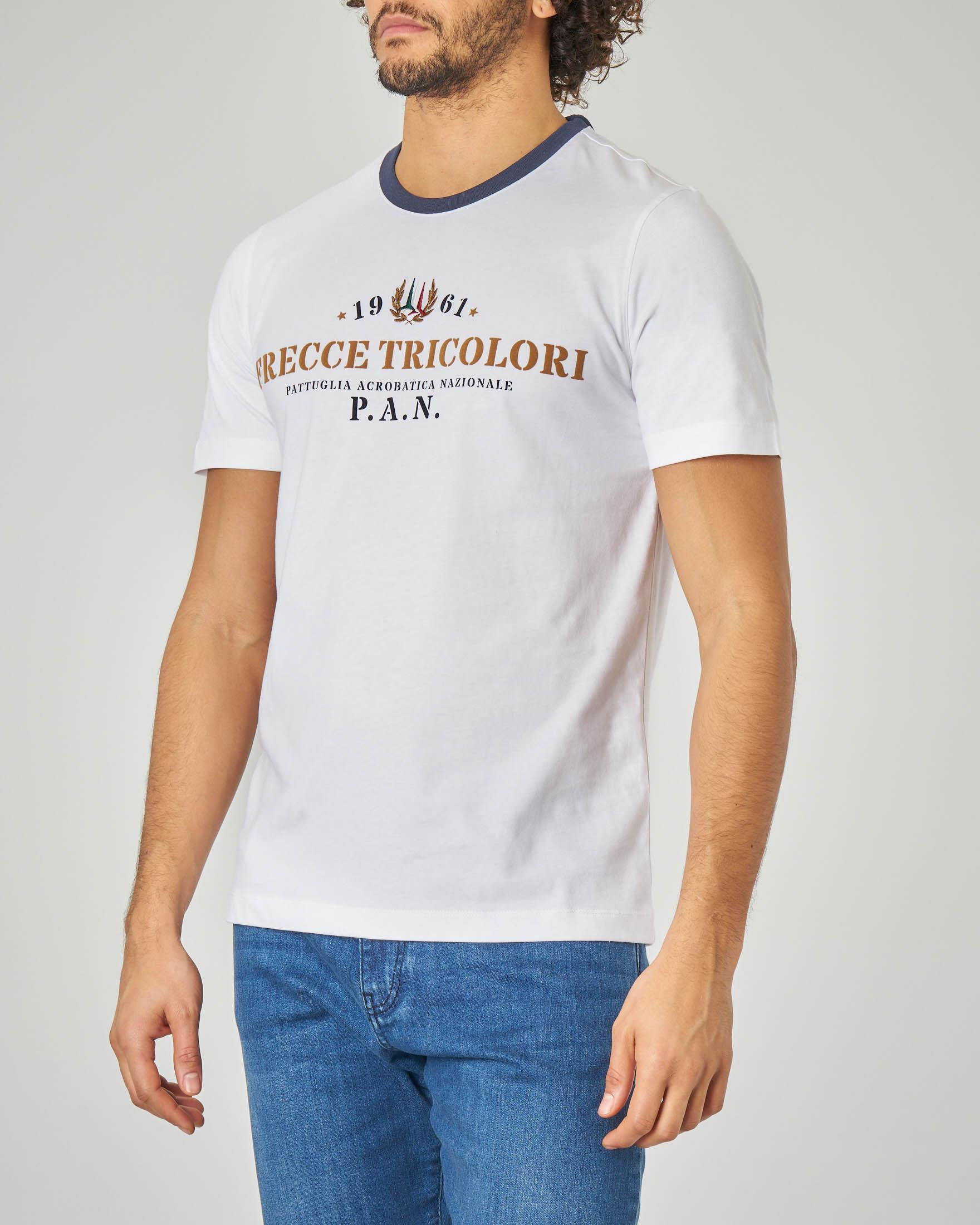 T-shirt bianca con collo in contrasto e logo Frecce Tricolore