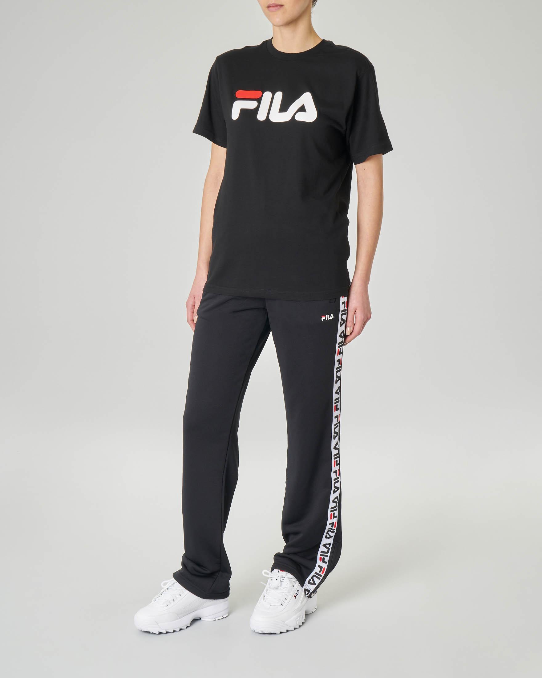 T-shirt nera girocollo con logo stampato