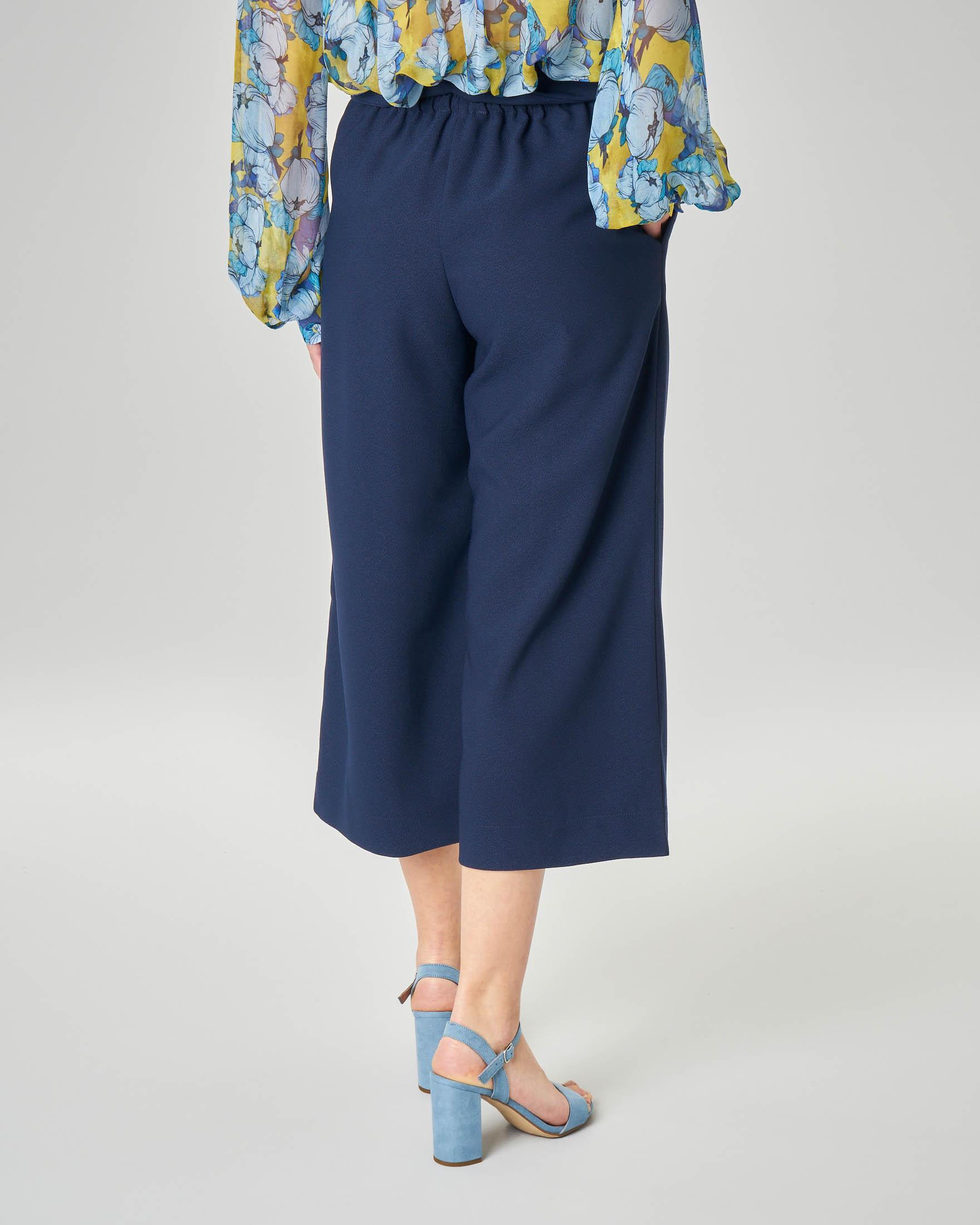 Pantalone culotte blu con fusciacca in vita