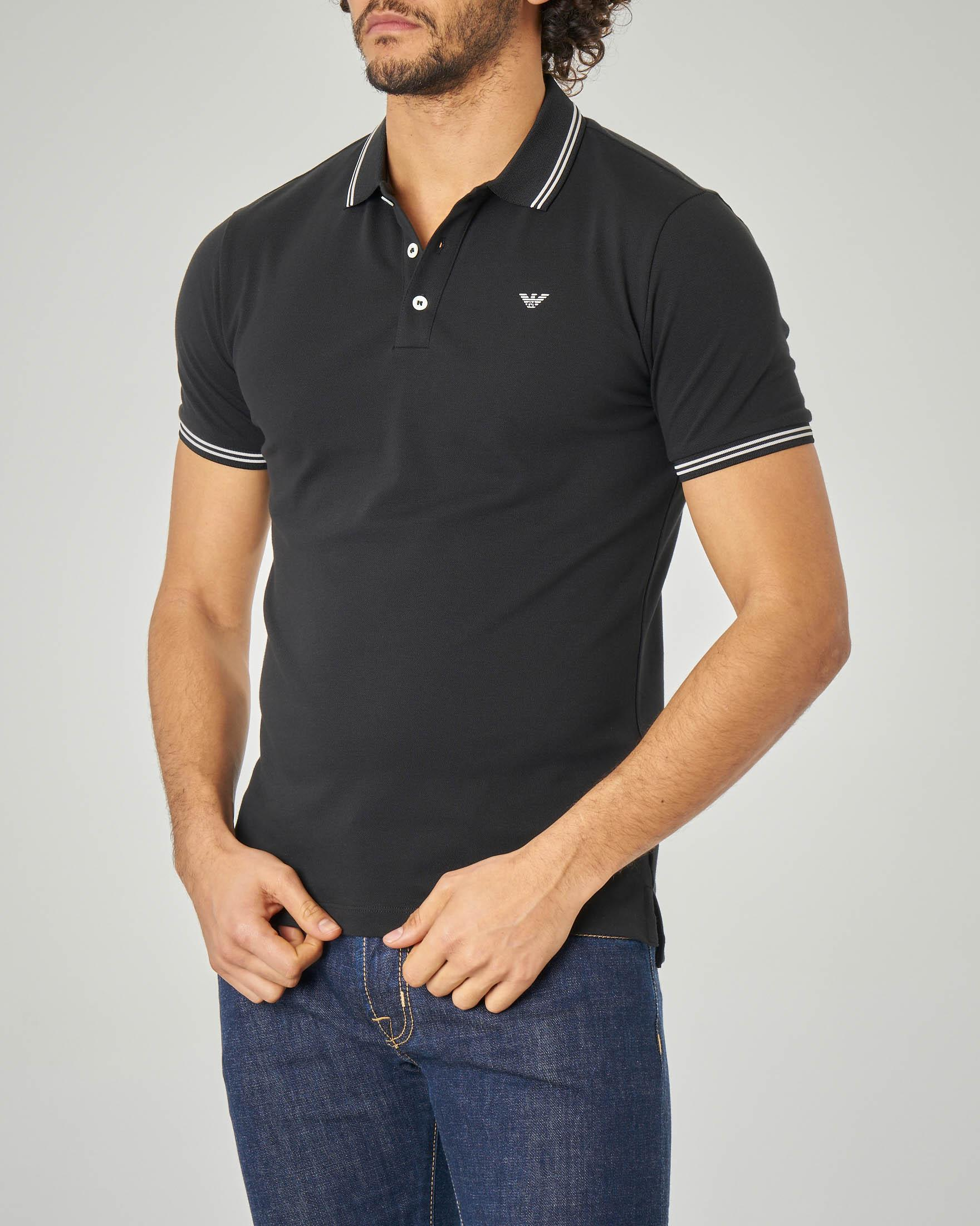 Polo nera stretch con bordino