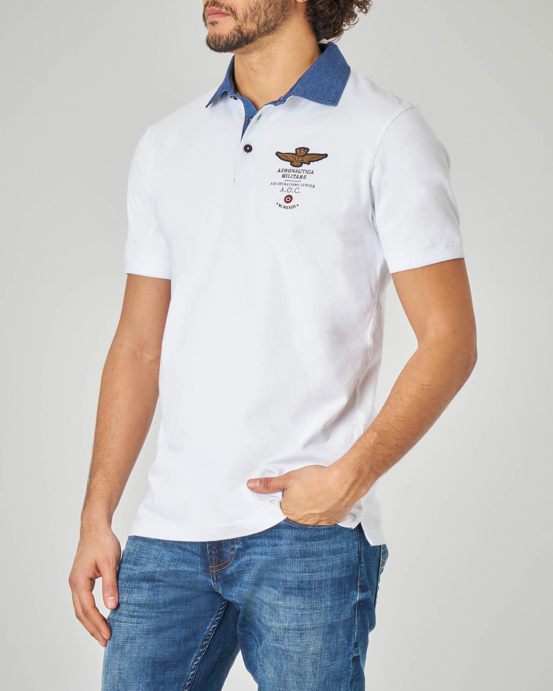 Polo bianca in jersey con colletto in denim · Aeronautica Militare ae2fc32c201