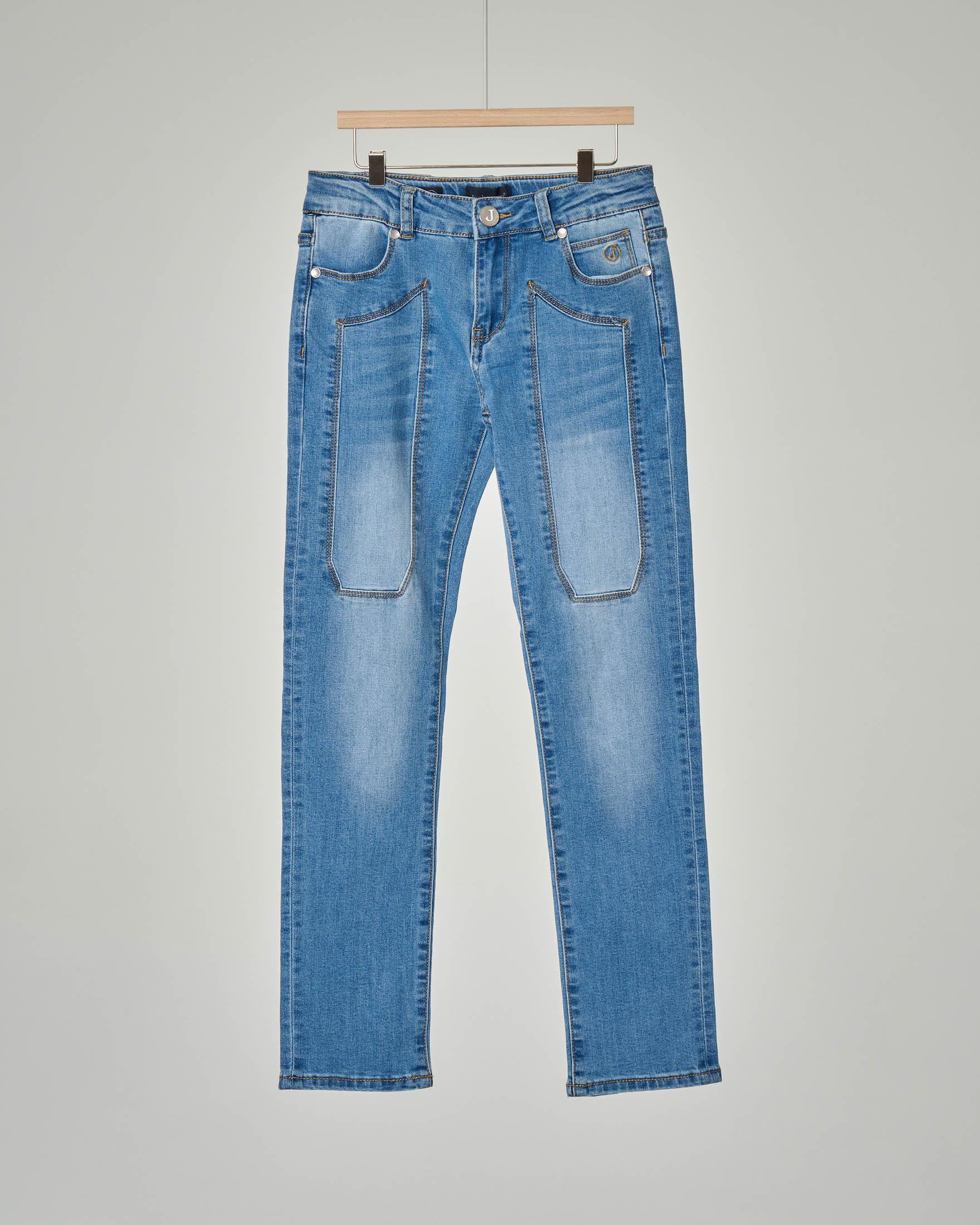 Jeans lavaggio stone wash con toppa