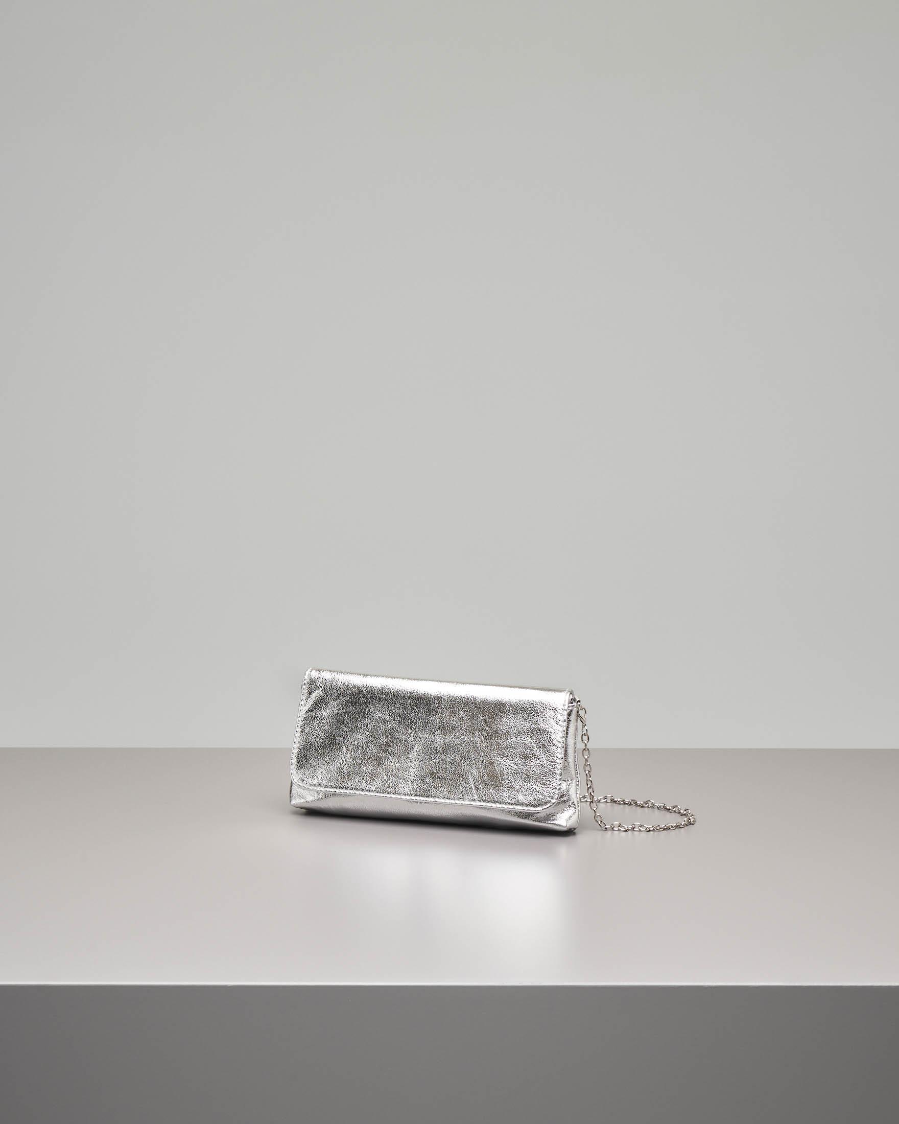Pochette a busta in ecopelle argento effetto laminato