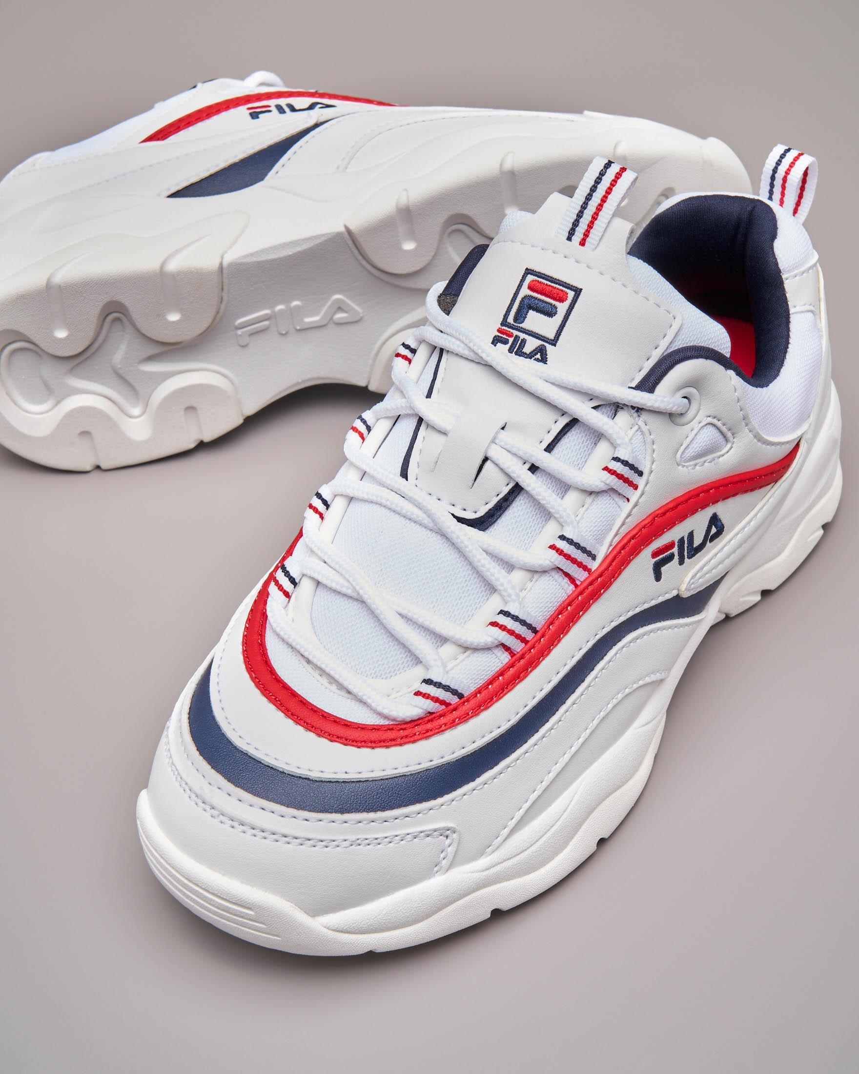 Sneaker Fila Ray low bianche con rifiniture rosse e blu | Pellizzari E commerce