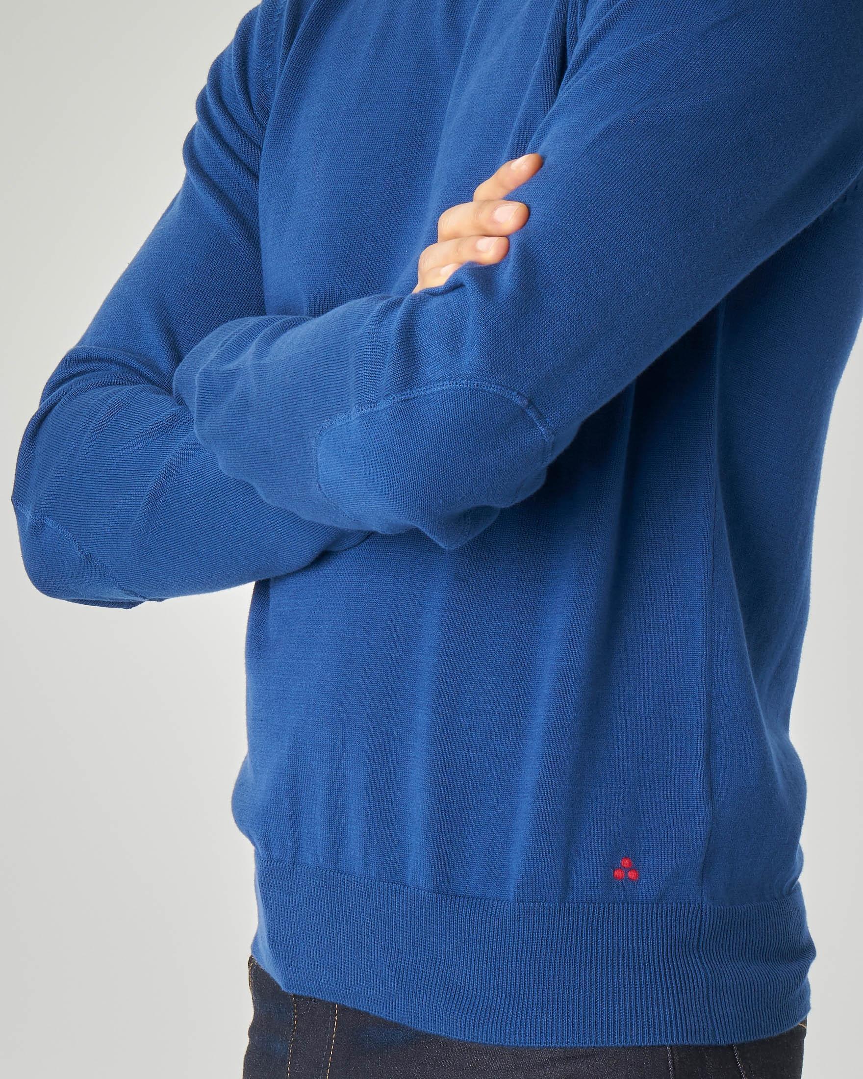 Maglia blu royal girocollo con toppa