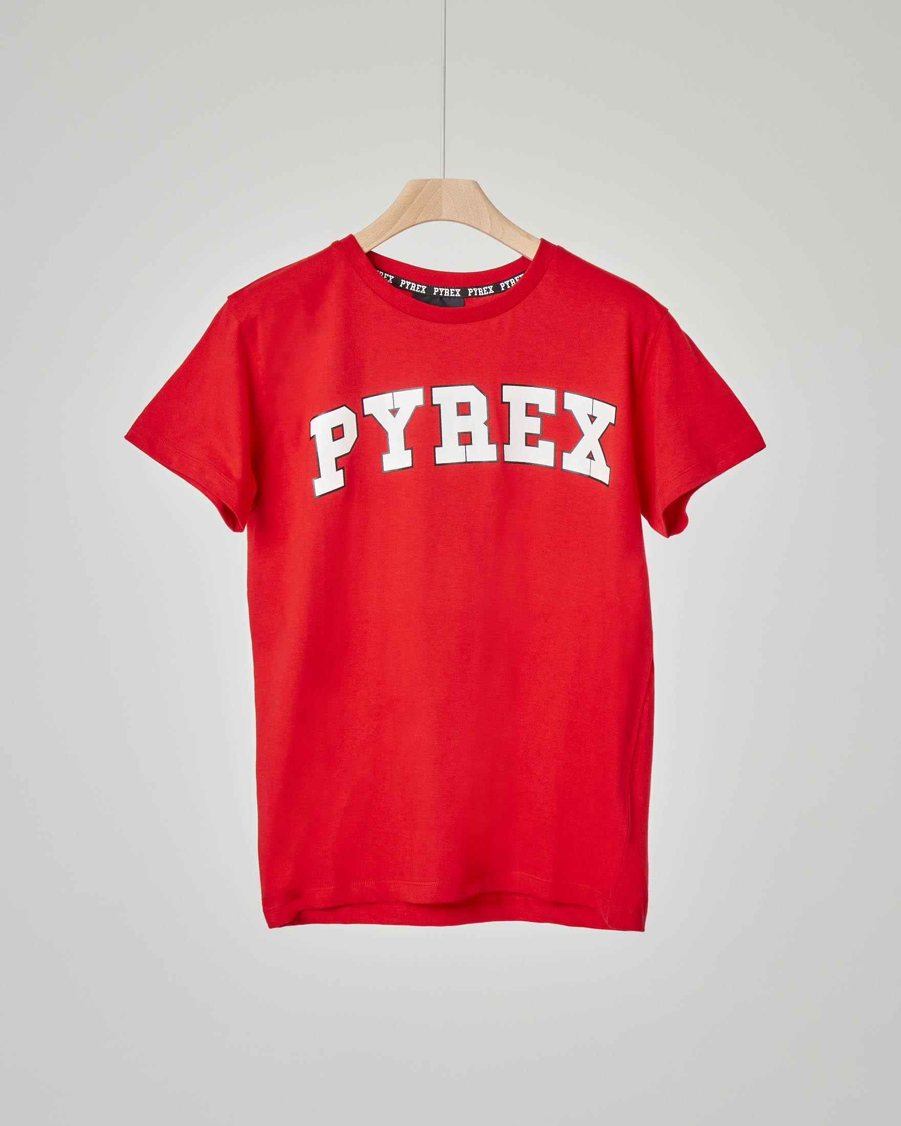 T-shirt rossa con logo college bianco