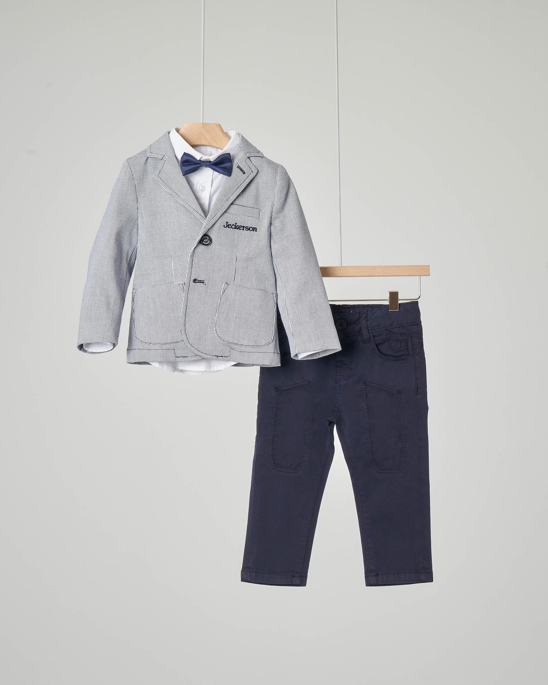 Completo giacca camicia pantalone e papillon