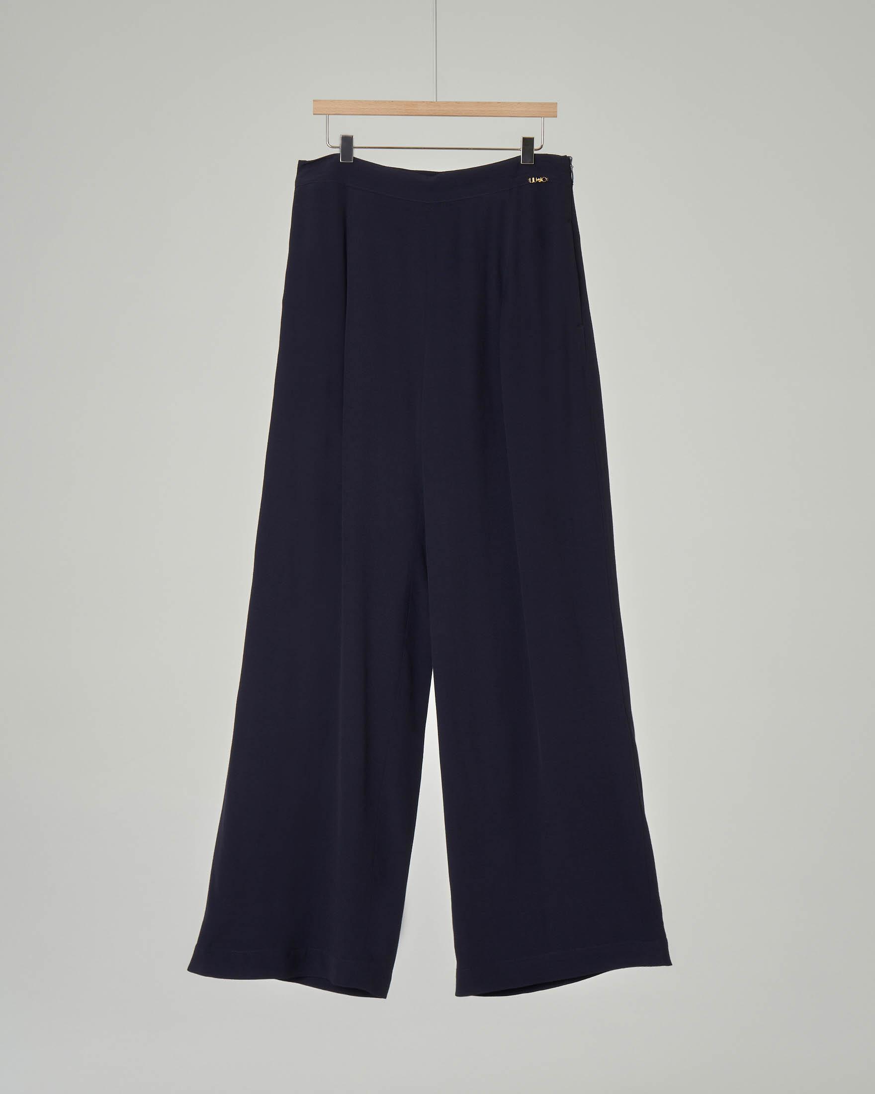 Pantalone a palazzo blu