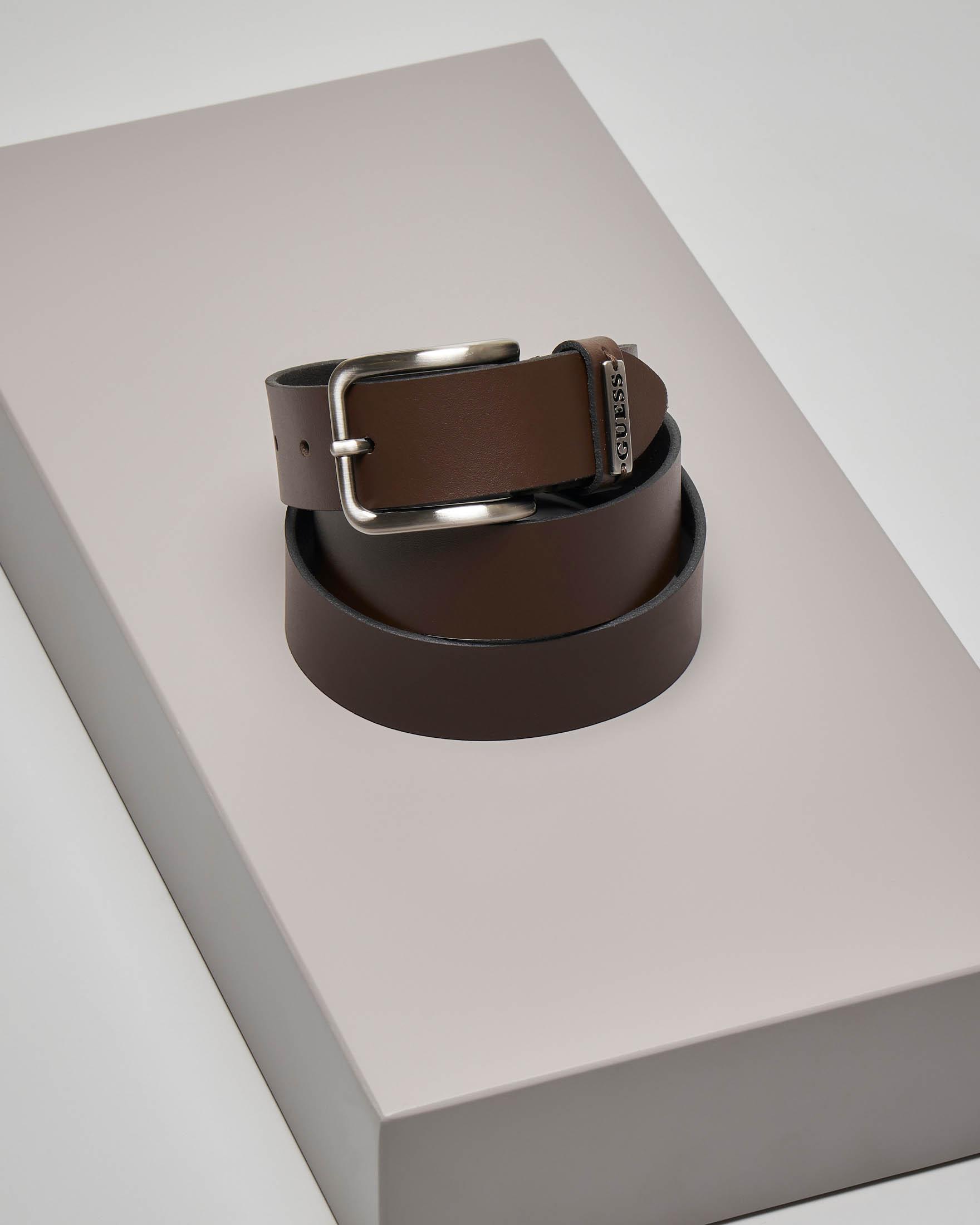 Cintura marrone in pelle con passante logato