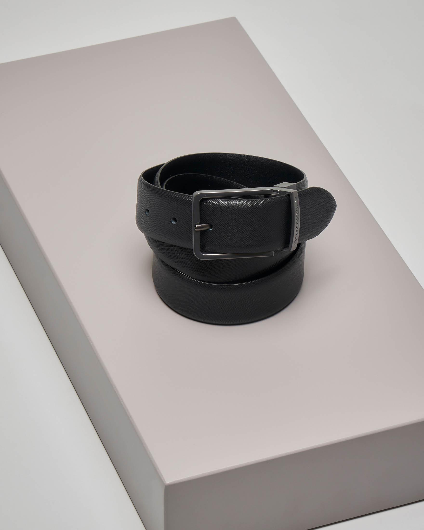 Cintura nera in pelle saffiano reversibile in pelle liscia