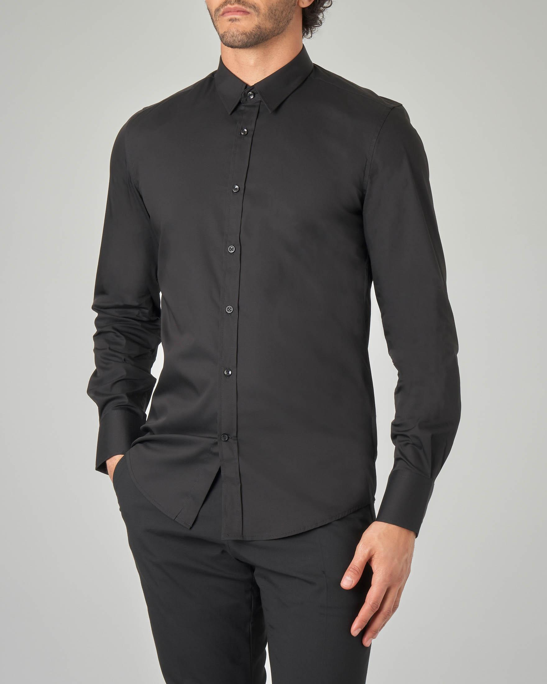 Camicia nera in popeline stretch