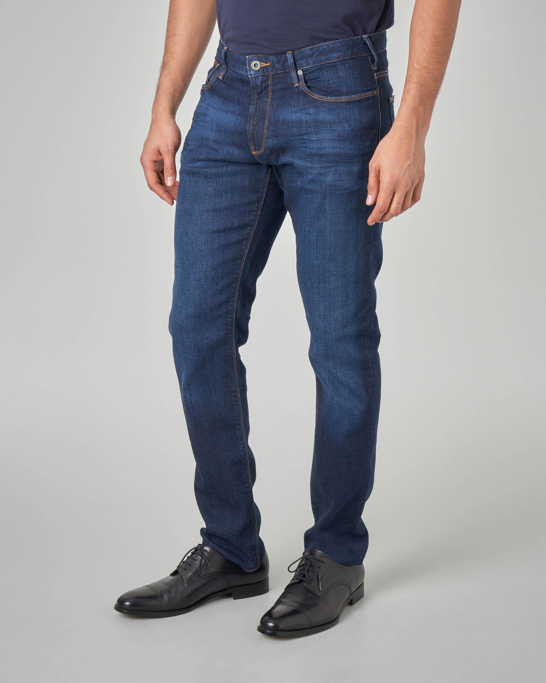 Jeans J06 lavaggio scuro stone wash