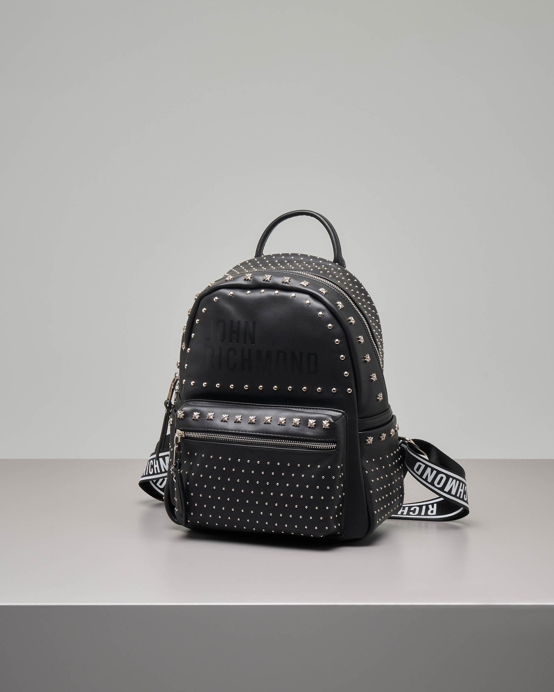 Zaino nero con borchie