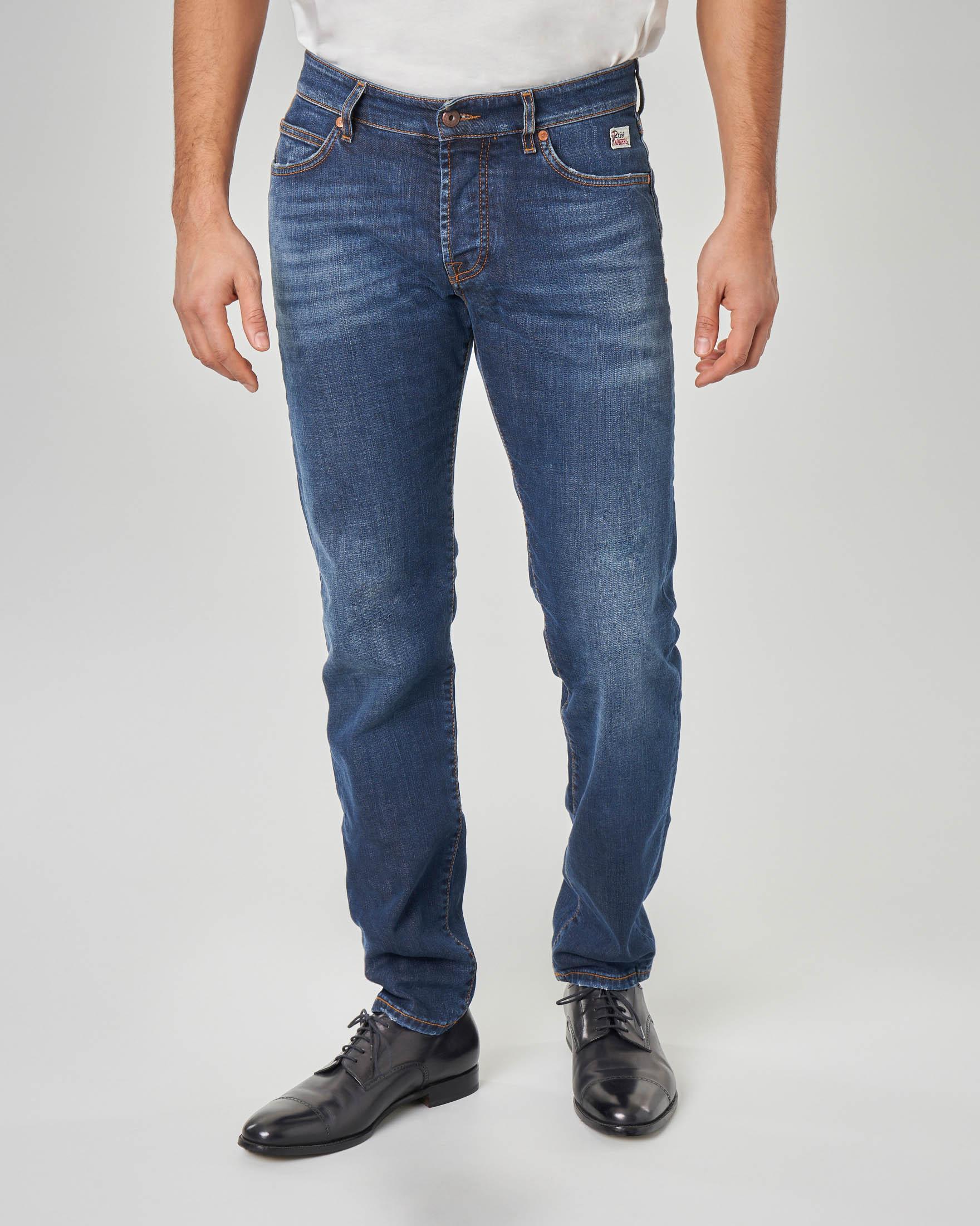 Jeans 529 lavaggio stone wash con micro-abrasioni sul retro