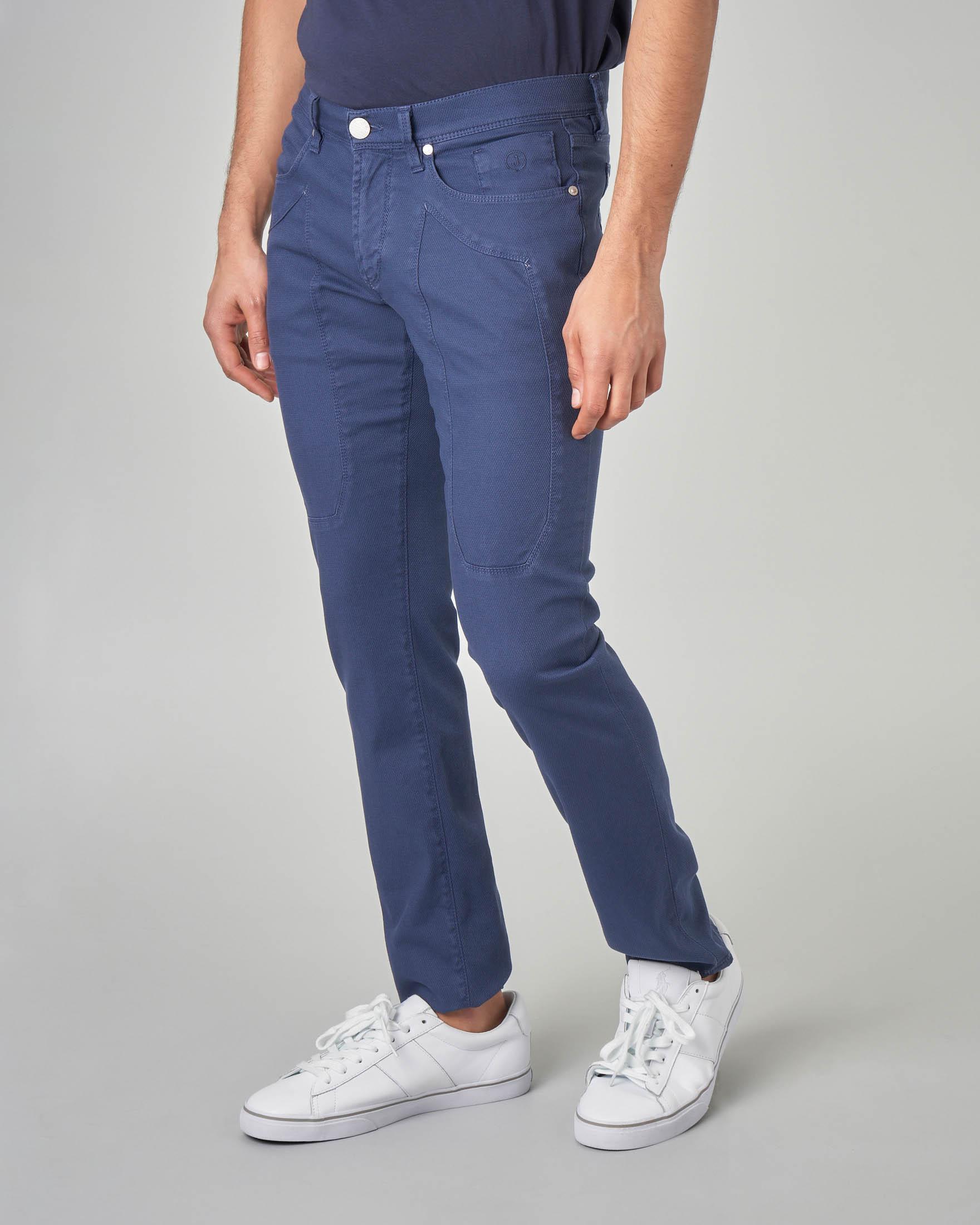 Pantalone indaco cinque tasche con toppa