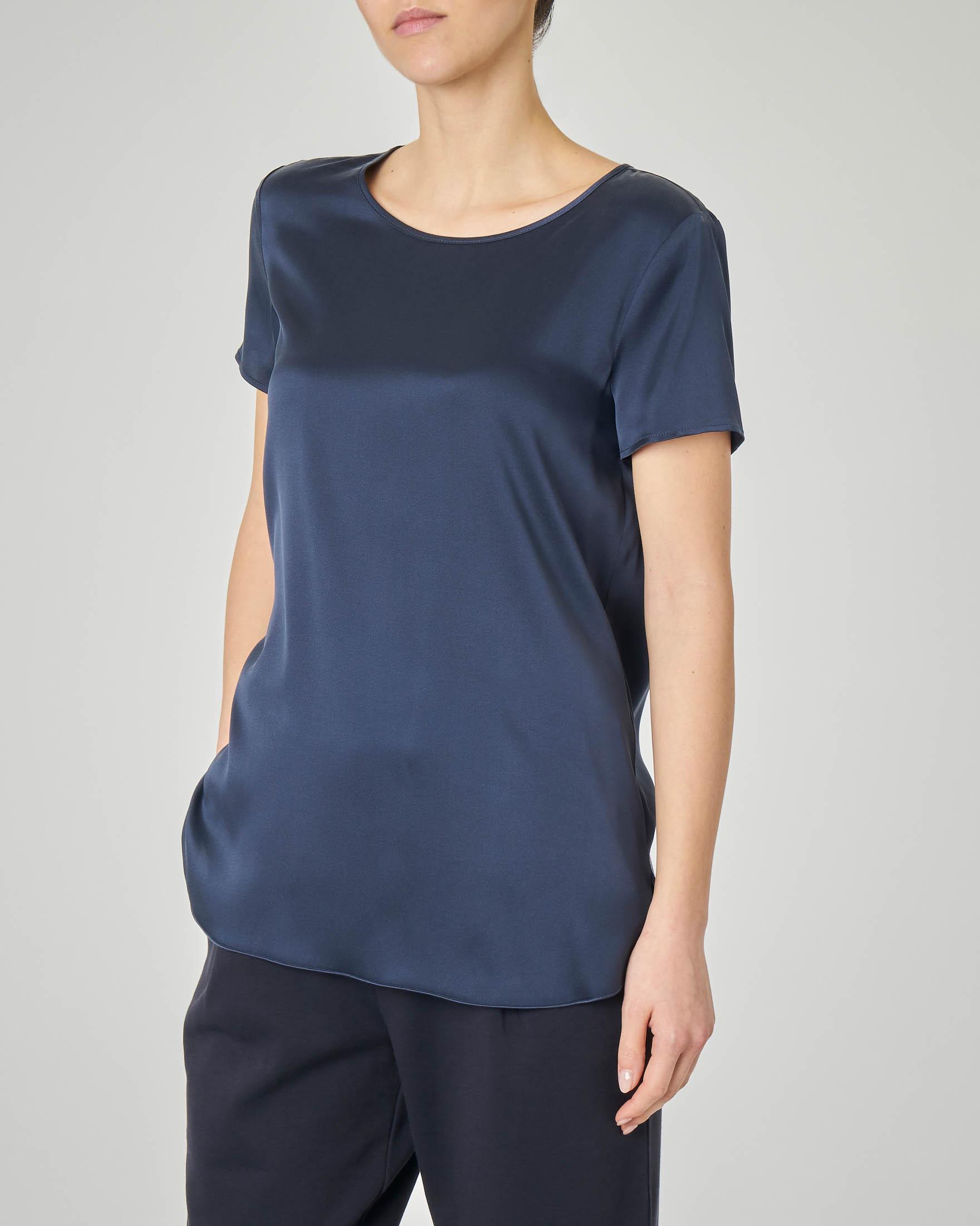 Blusa in crêpe seta blu a maniche corte